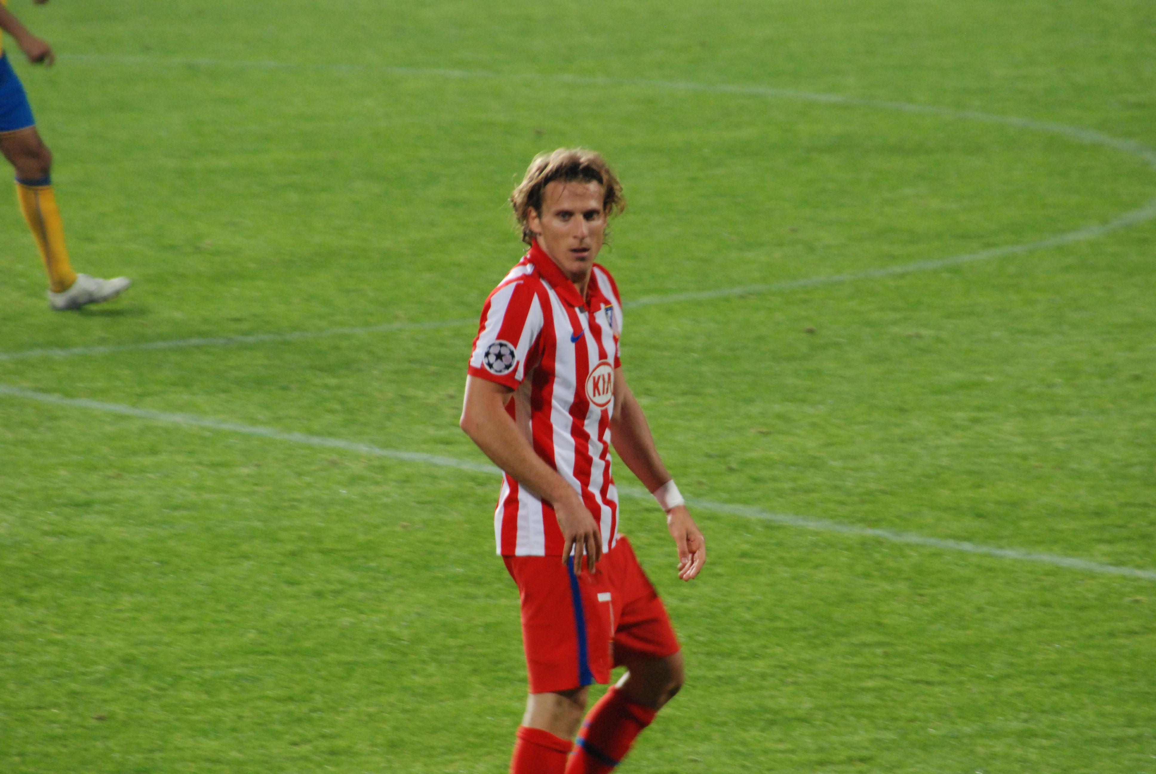 File Diego Forlán Atlético Madrid Wikimedia mons