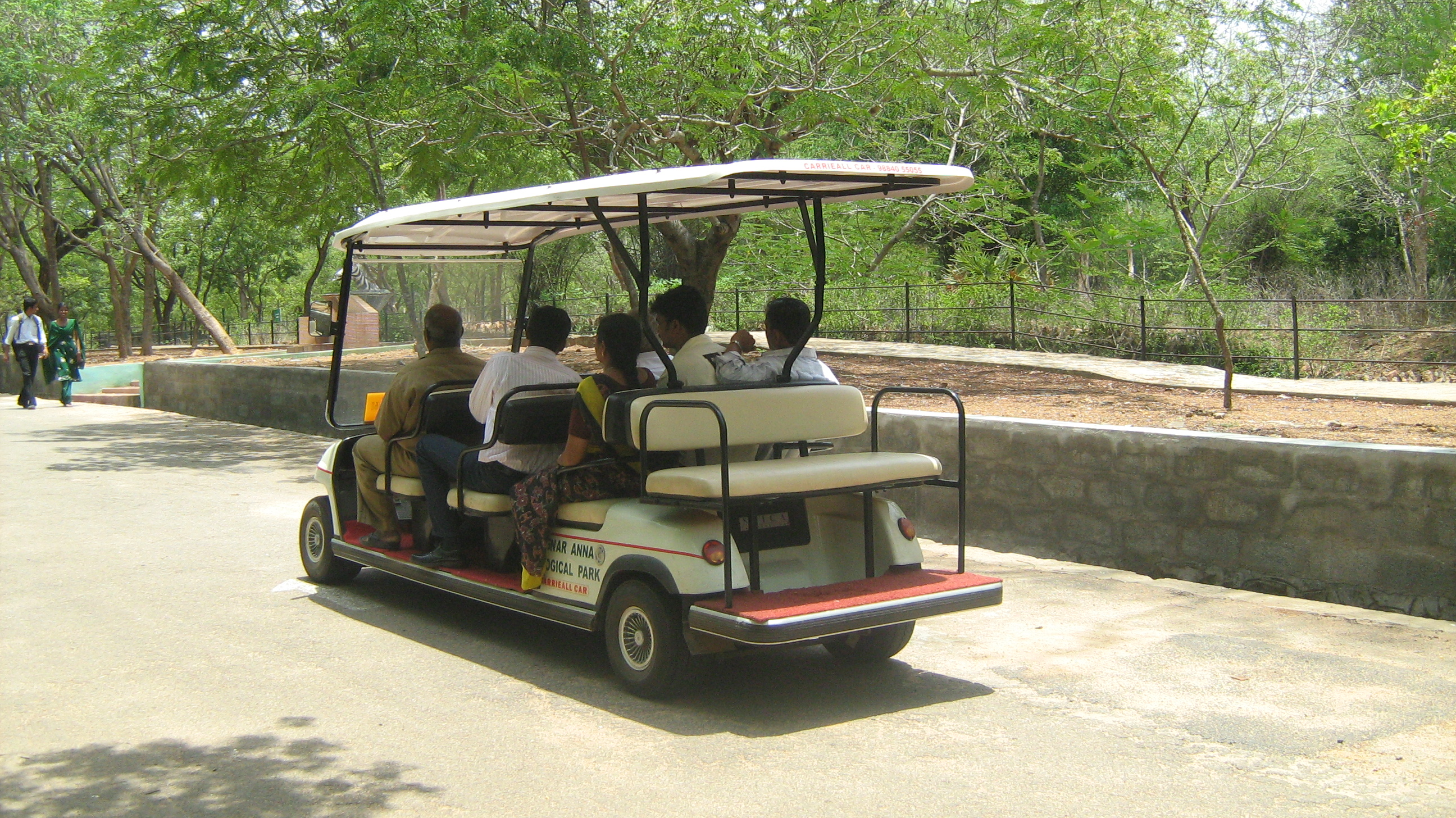 file electric car vandalur zoo tamil nadu99 jpg   wikimedia commons