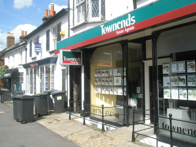 File:Estate agents in South Road - geograph.org.uk - 1362423.jpg