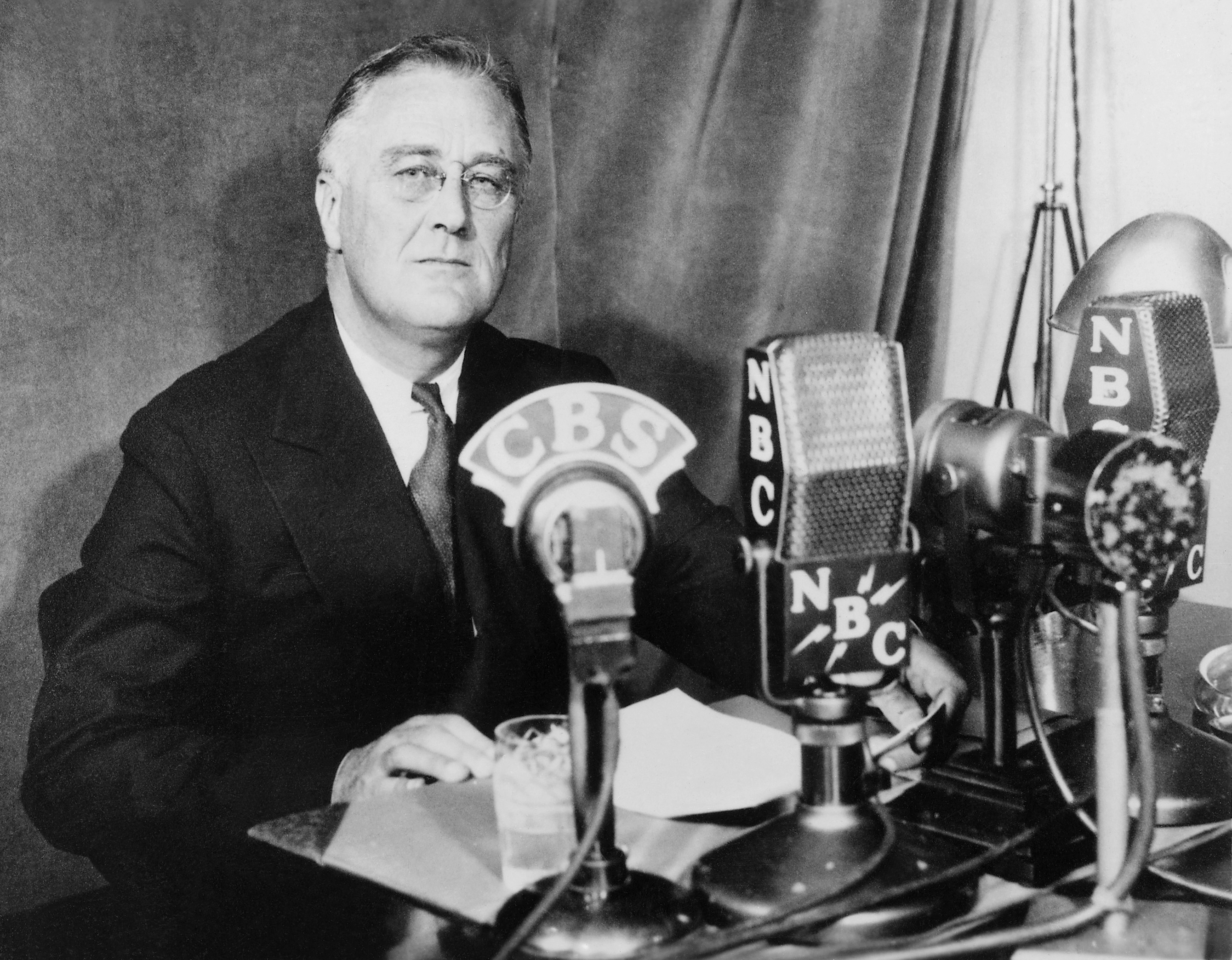 franklin roosevelt administration Lacking an official title for most of his years in washington, harry hopkins came to be known as president franklin d roosevelt's 'deputy president.
