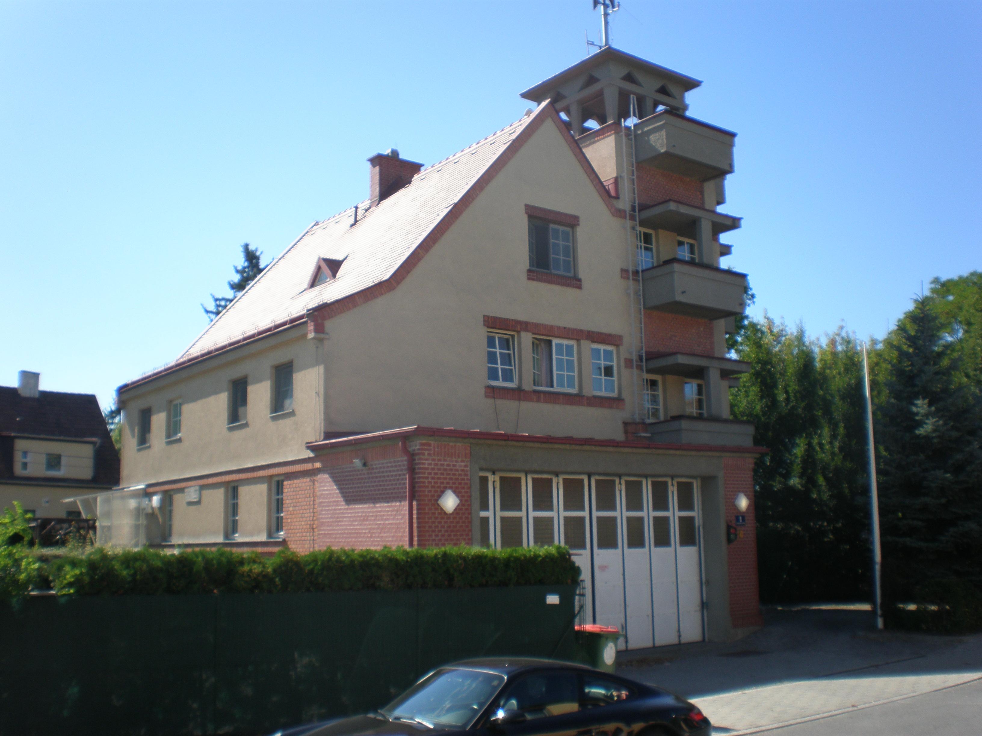 Feuerwache strebersdorf.JPG