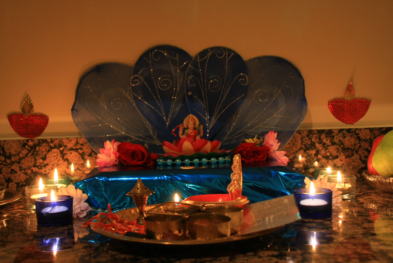 File:Goddess Lakshmi inside a home for Diwali Puja.jpg - Wikimedia ... for Diwali Puja Decoration At Home  587fsj