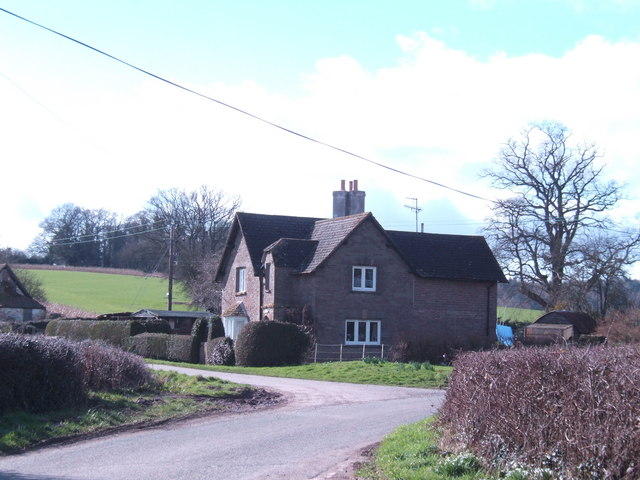 File:Grithill Lodge - geograph.org.uk - 349098.jpg