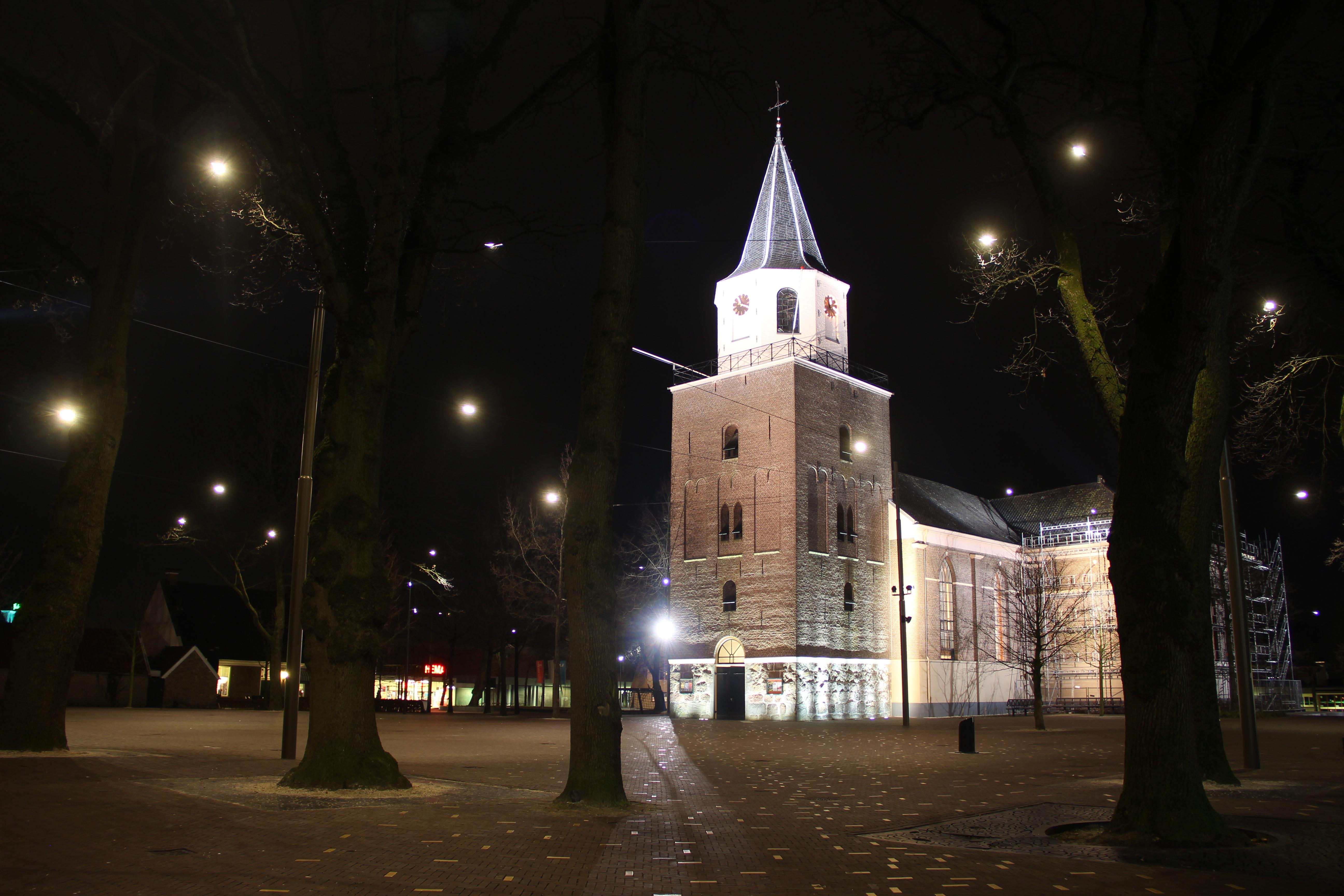 Grote_of_Pancratiuskerk_-_Emmen_(2016).JPG