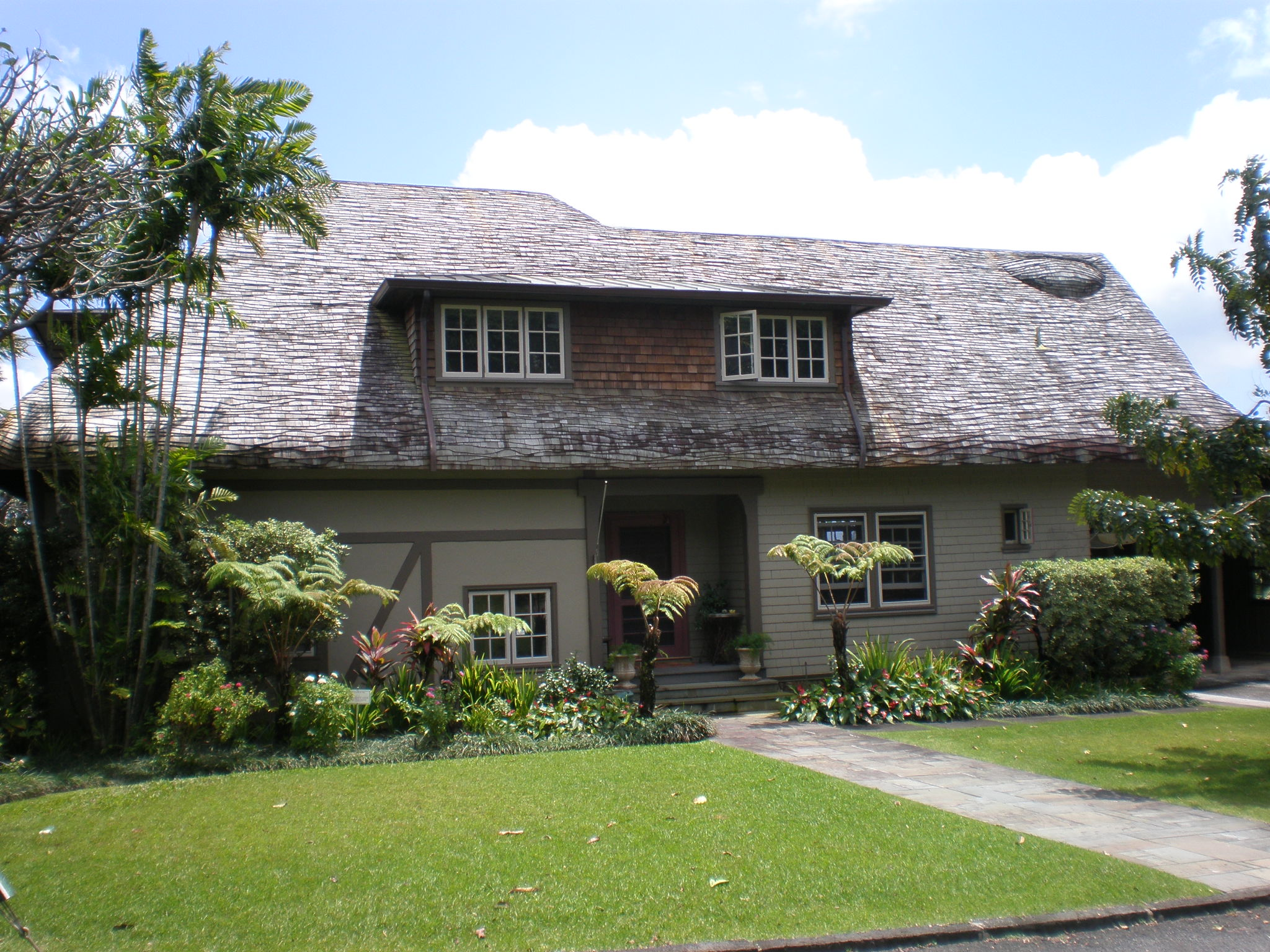 File honolulu dr robert faus house jpg wikimedia commons for Hawaii home building packages