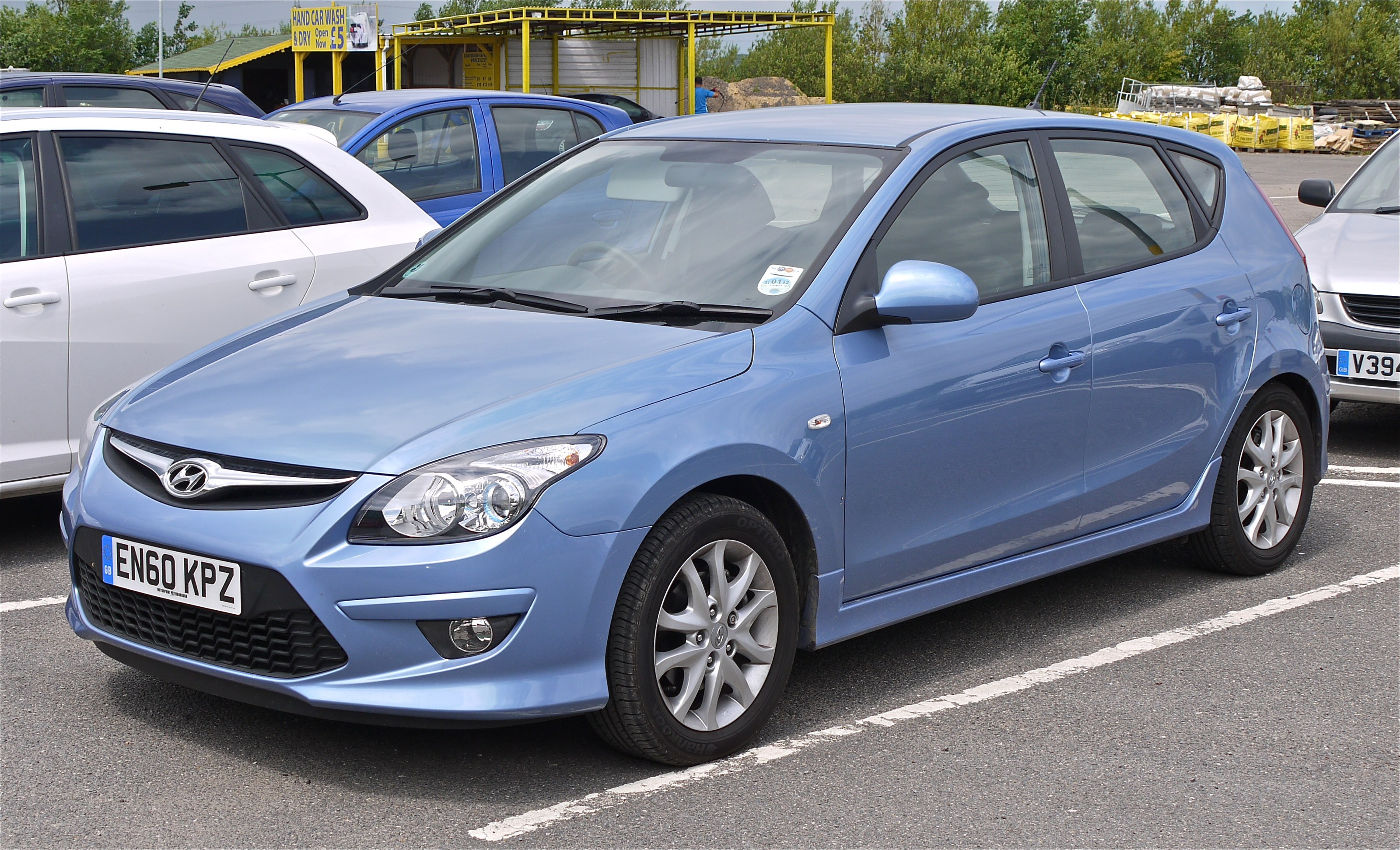 Plik Hyundai I30 Comfort Crdi In The New Ice Blue Paint