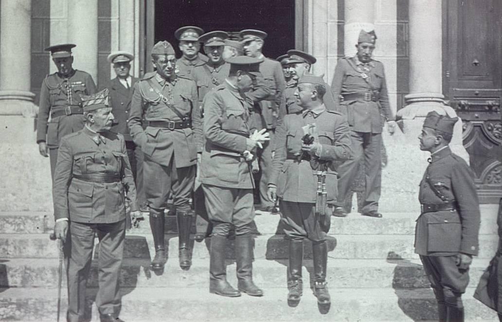 Franco con Mola , Saliquet y otros jefes militares sublevados.