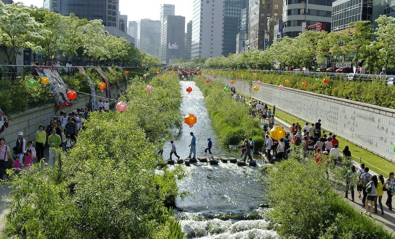 File:Korea-Seoul-Cheonggyecheon-2008-01.jpg