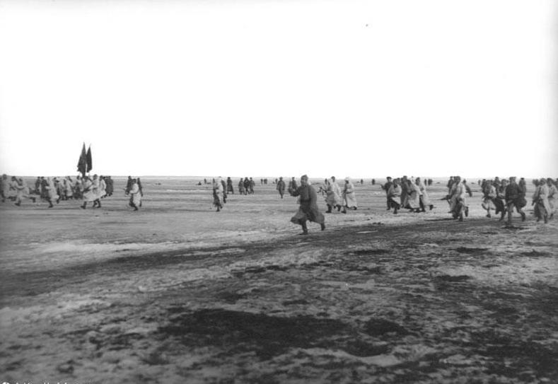 Angriff der Roten Armee auf Kronstadt über das Eis der Newabucht