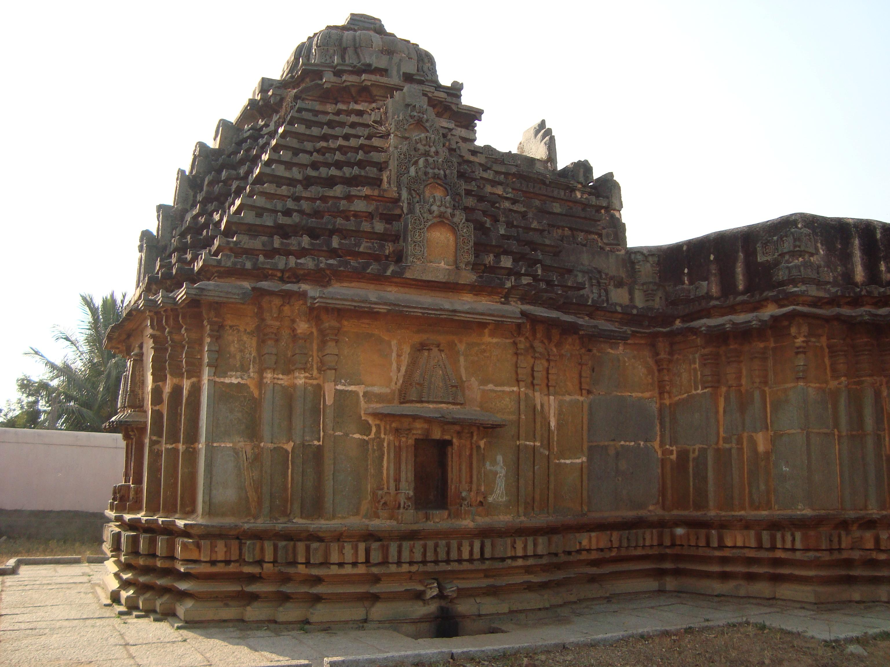 Historical Jain temple at Lakshmeshwara, North Karnataka