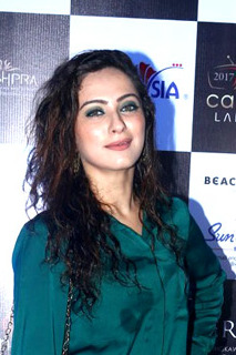 Lavina Tandon launch of Telly Calendar 2017 (10) (cropped).jpg