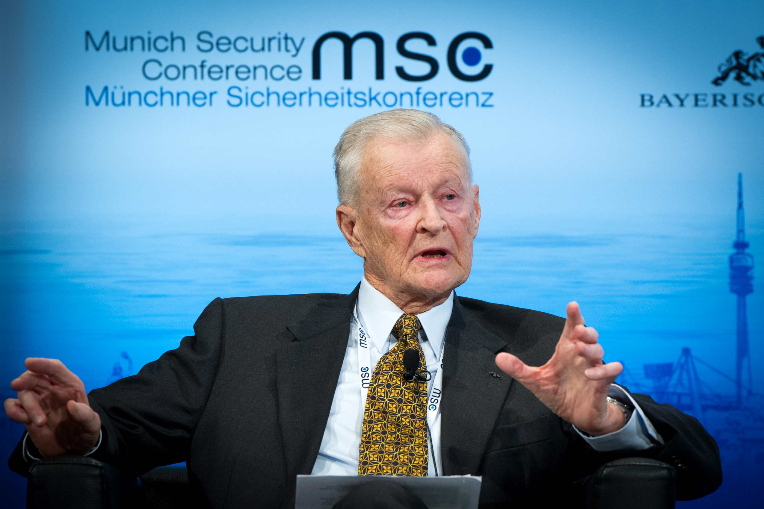 https://upload.wikimedia.org/wikipedia/commons/d/d0/MSC_2014_Brzezinski_Kleinschmidt_MSC2014.jpg