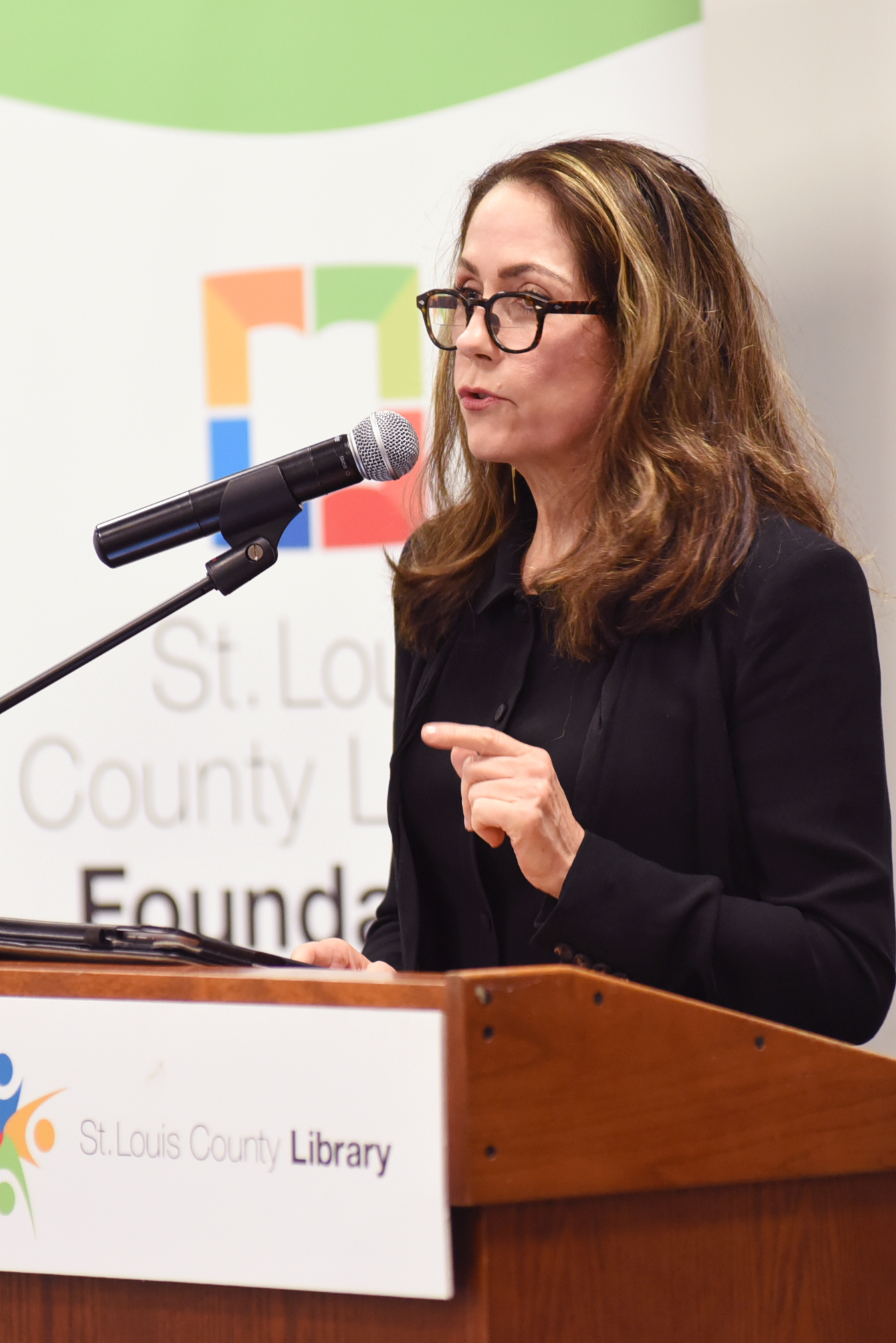 Karr speaking at the [[St. Louis County Library]] on September 8, 2016