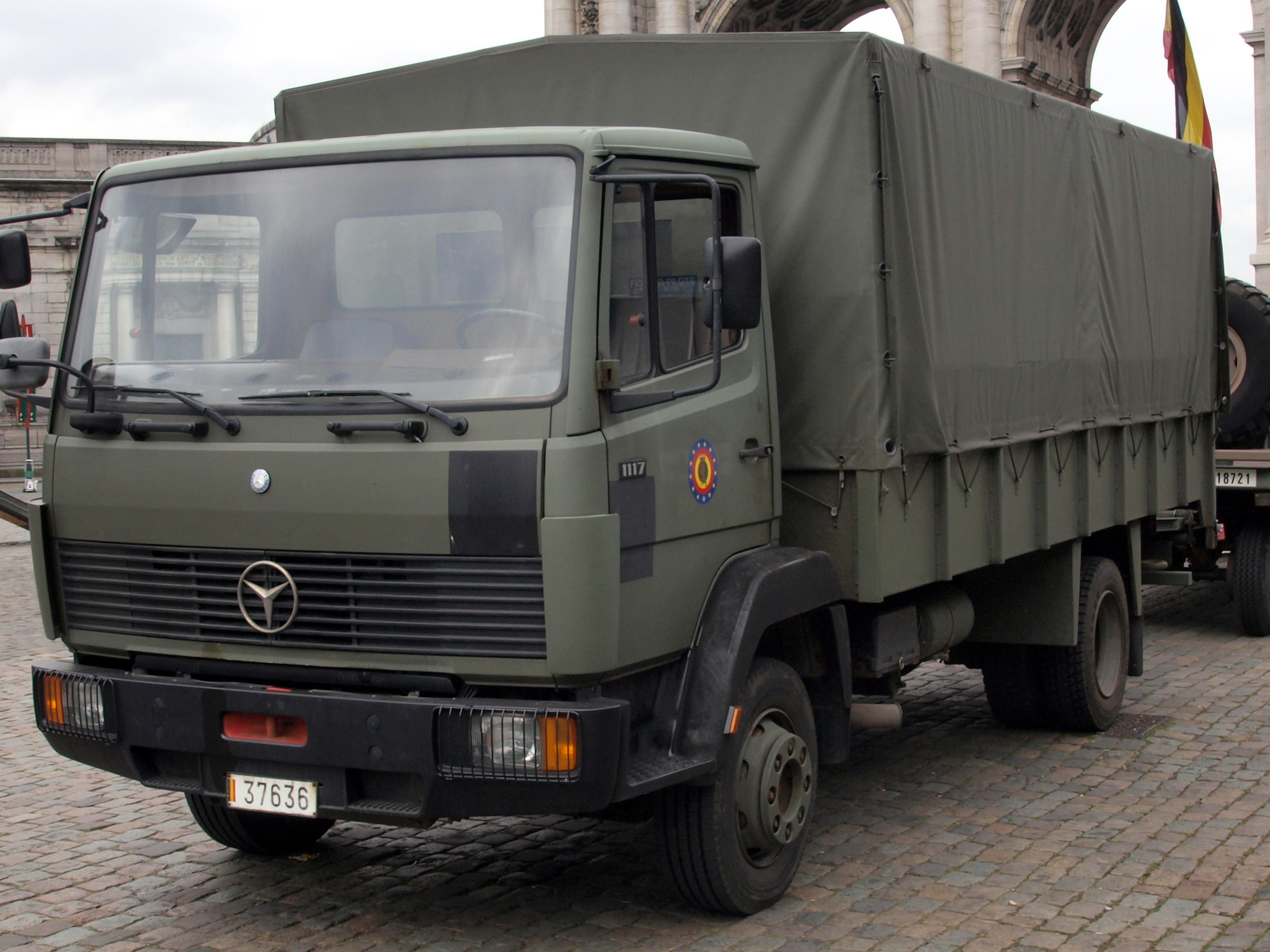 File:Mercedes 1117 of the Belgian Army, licence registration 37636.JPG
