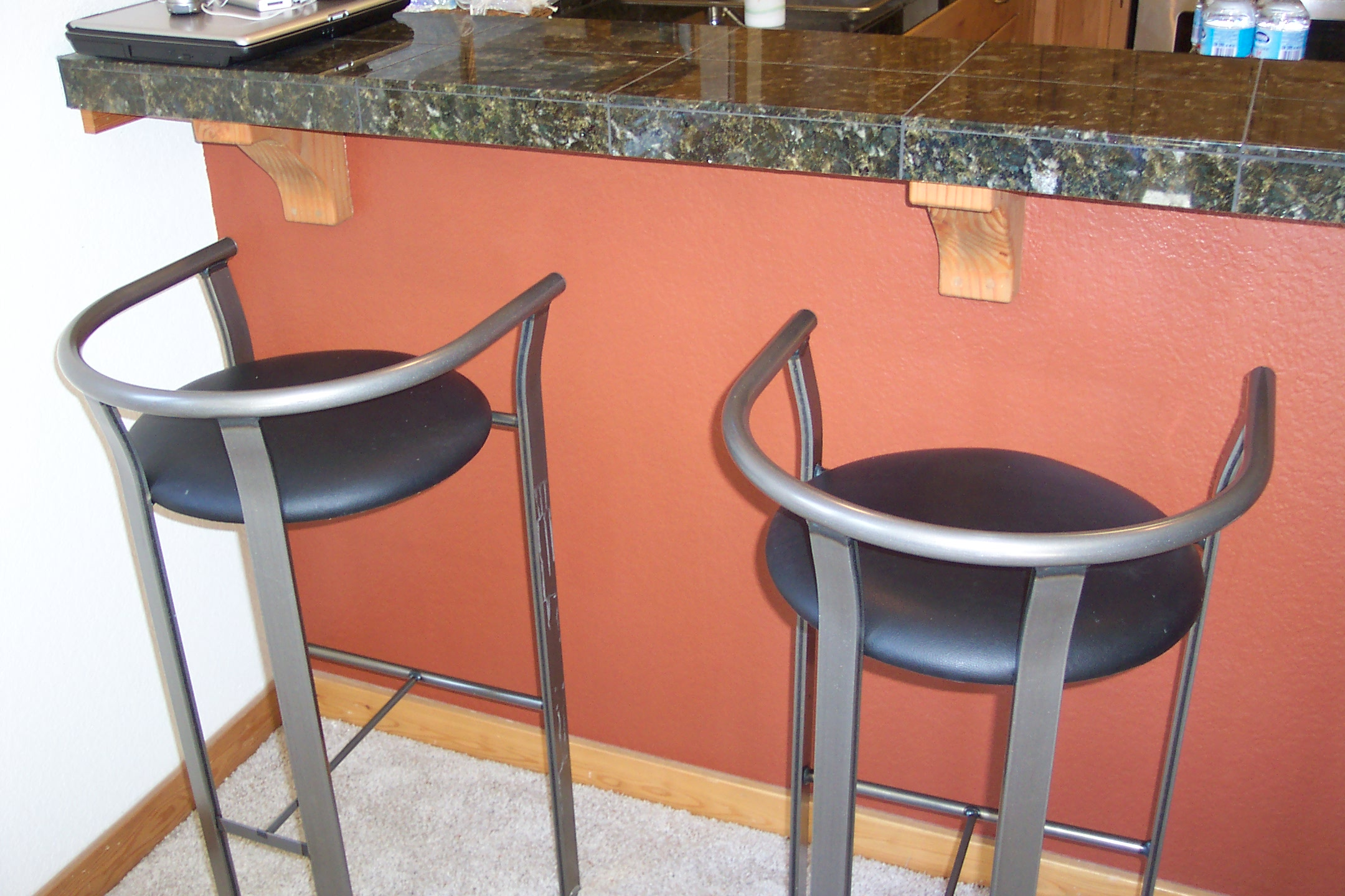 Kitchen Counter Stool Ideas