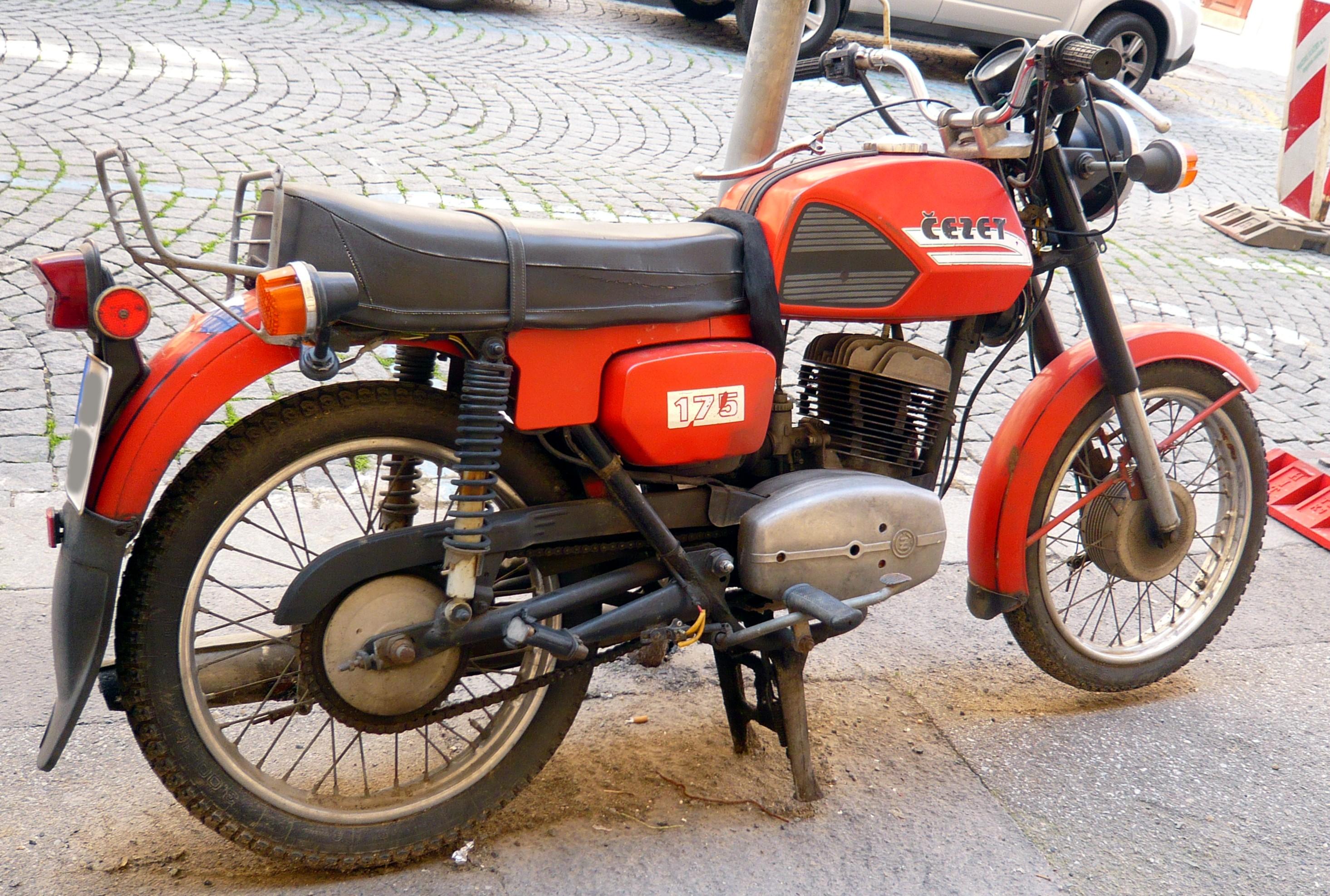 Datei:Motorrad Cezet 1...