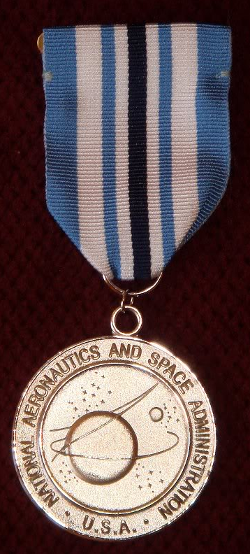 NASA Outstanding Service Medal - Wikipedia