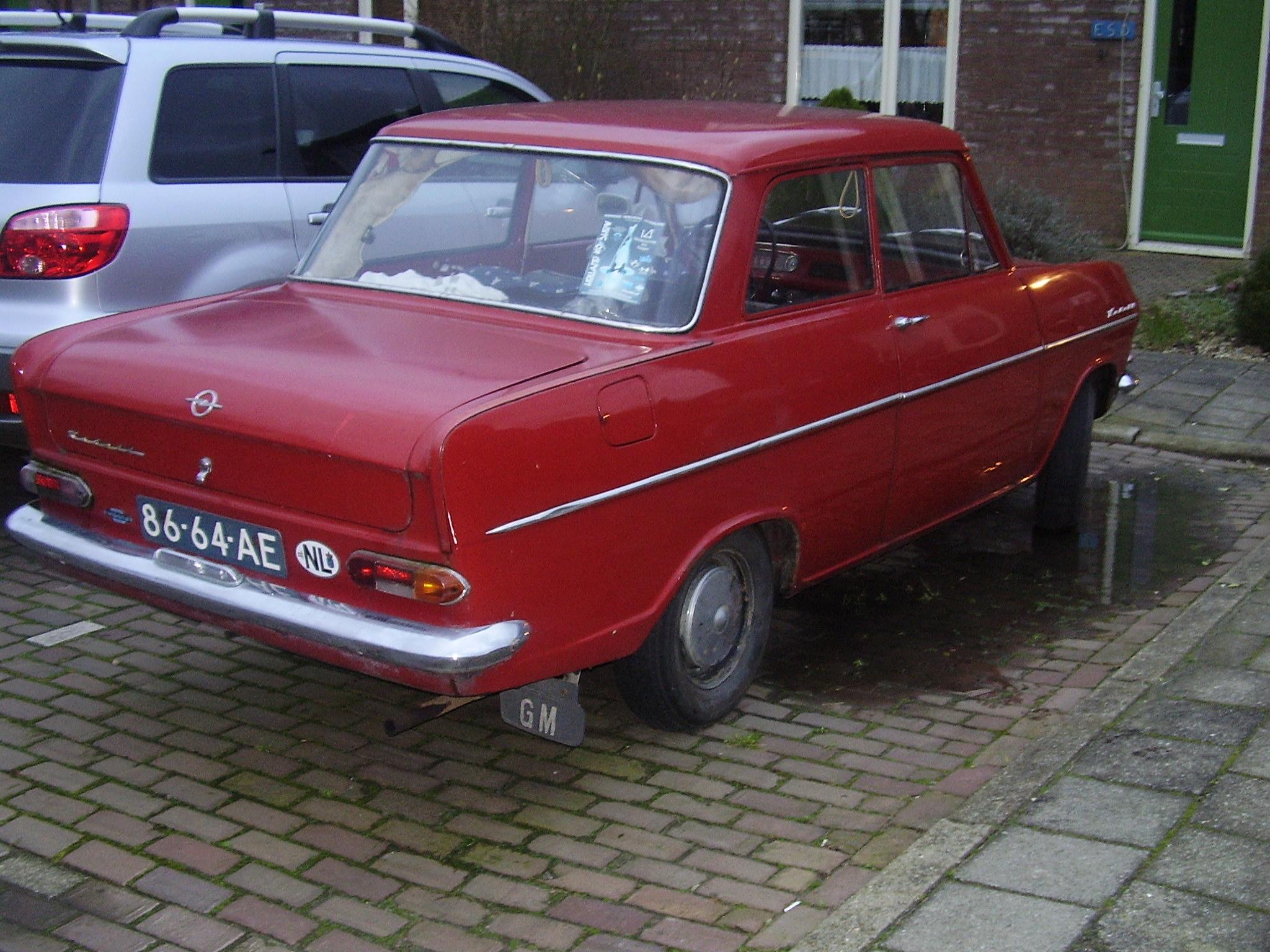 [Immagine: Opel_kadett_A_1965_1.jpg]