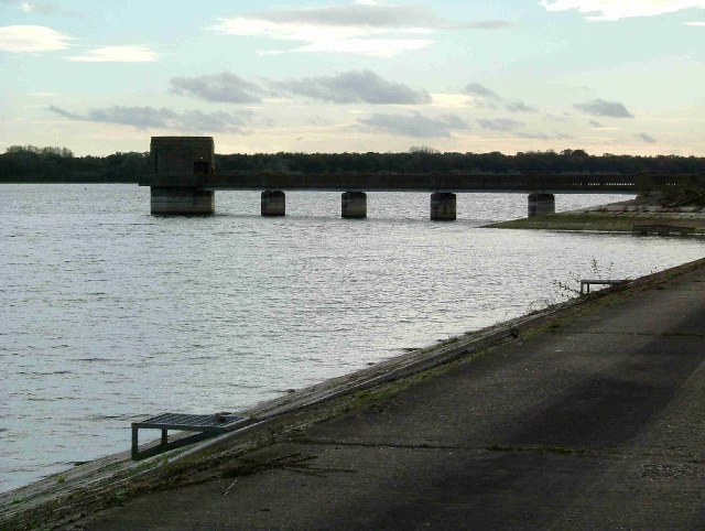 Outlet Tower On Hanningfield Reservoir - geograph.org.uk - 74640