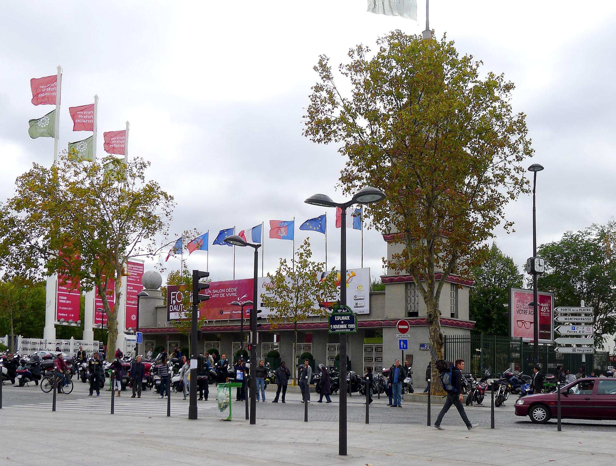 File p1050976 paris xv pte de versailles entr e parc des - Parking c parc des expositions porte de versailles ...