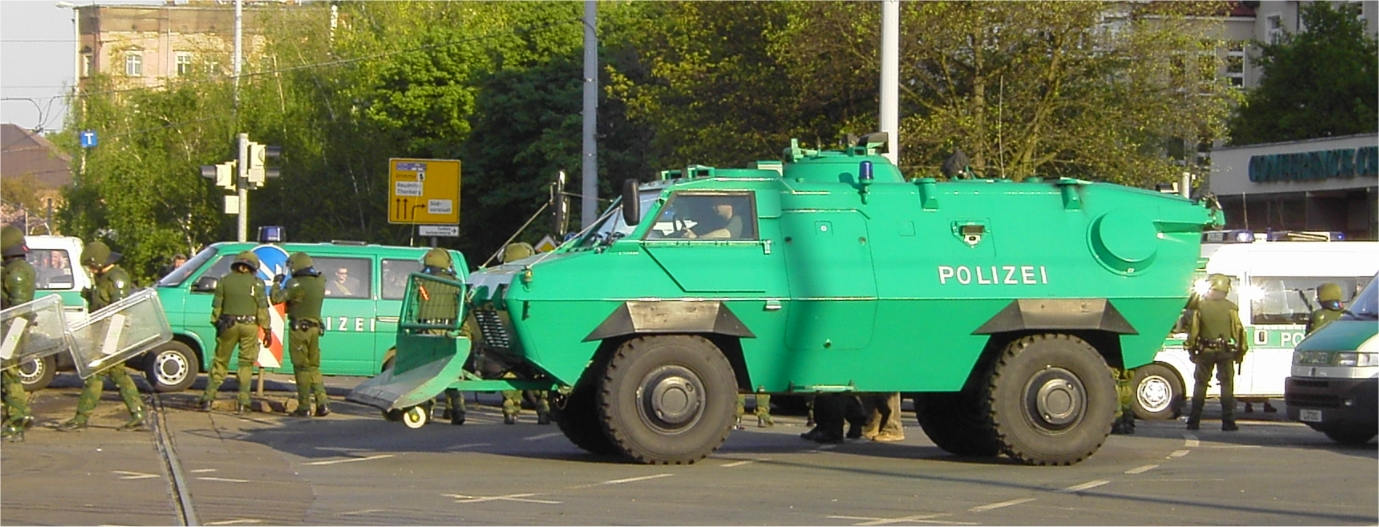 http://upload.wikimedia.org/wikipedia/commons/d/d0/Polizei_Panzerwagen.jpg