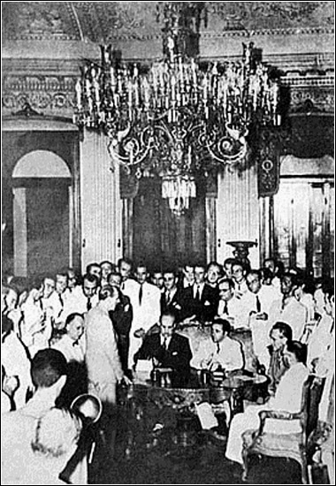The signing of the Rio Protocol in January 1942 Protocolo de Rio.jpg