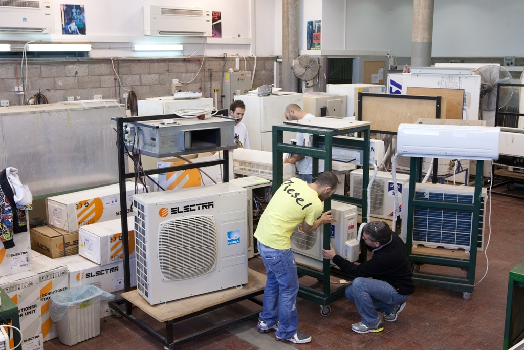 refrigeration and air conditioning research papers Many of research projects he served as a leader did successful application in refrigeration and air conditioning system up to now, more than 18 sci papers with if  8 have been published and h = 3.
