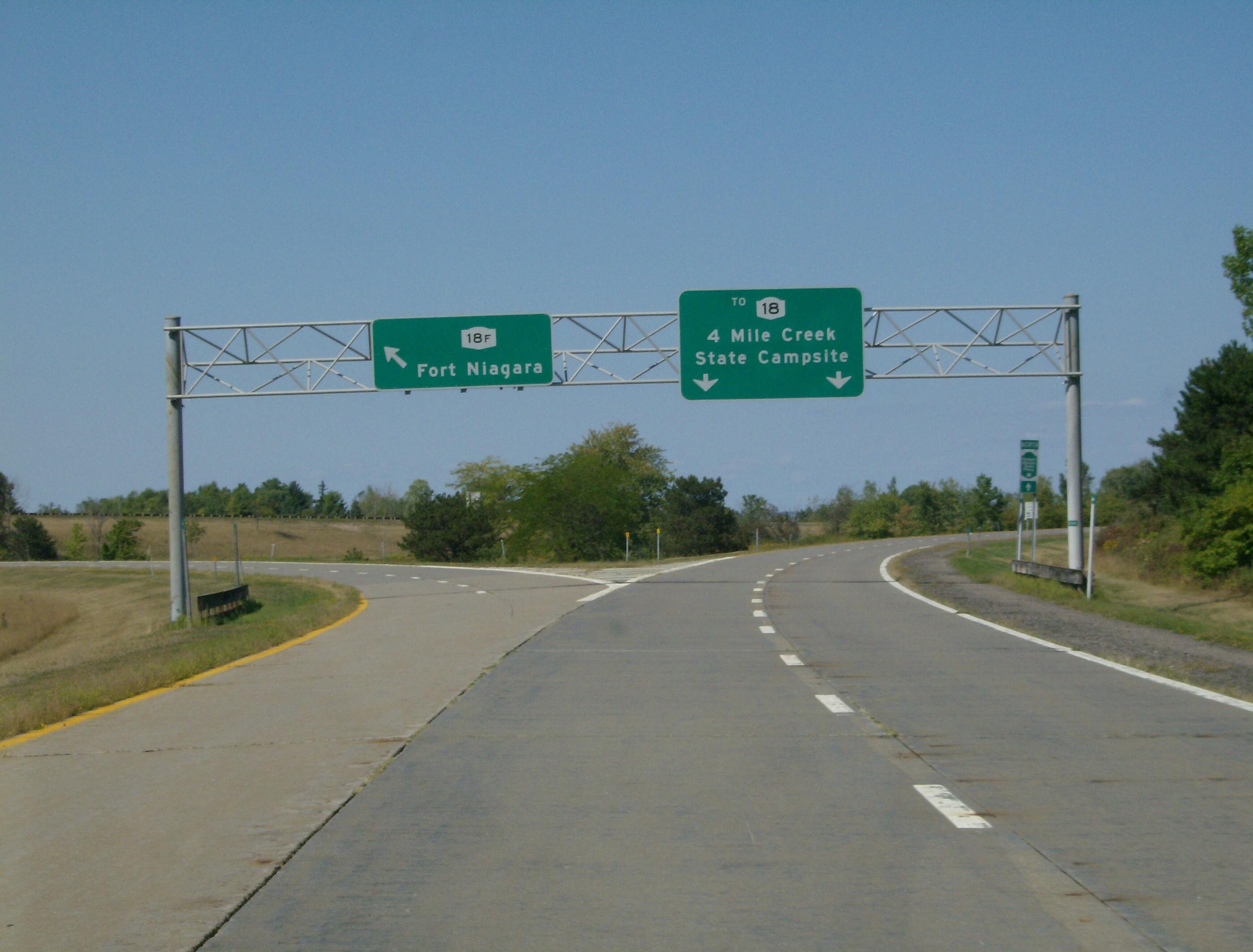File Robert Moses Parkway At Ft Niagara Spur Jpg