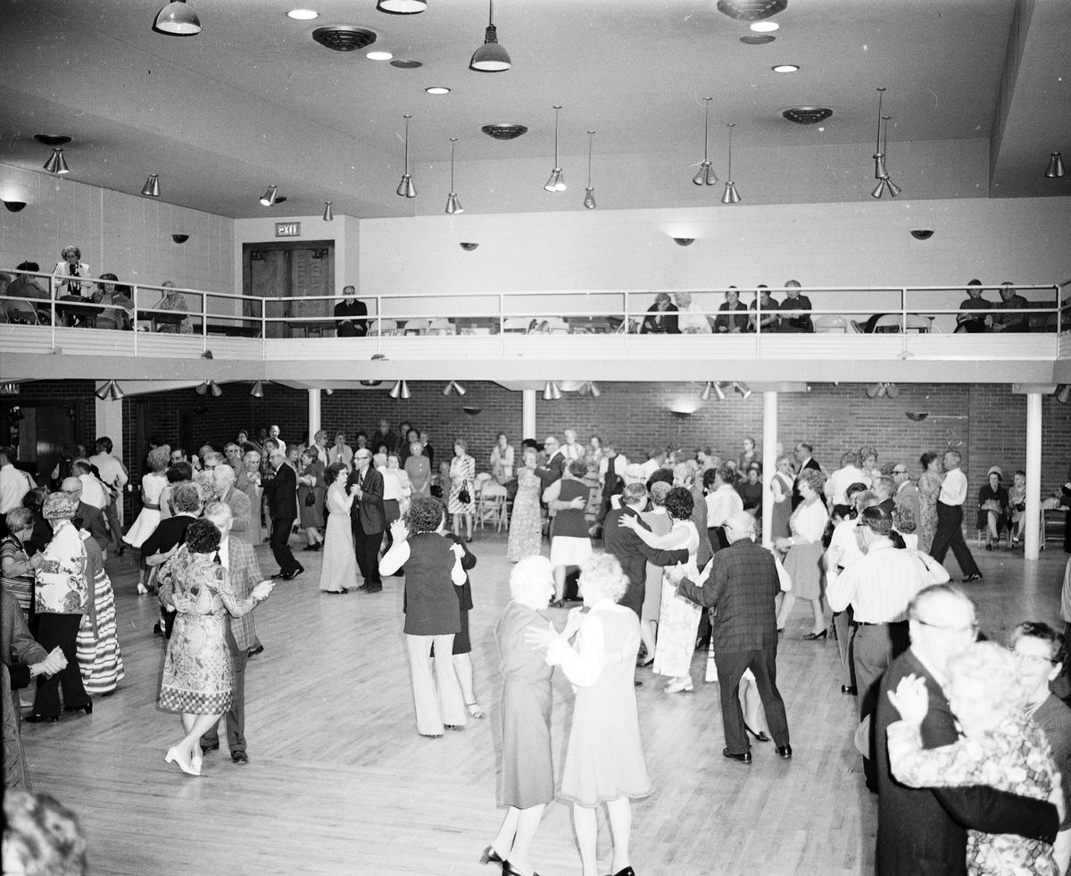 filesenior citizens valentine day dance seattle 1973jpg - Valentines Day Seattle