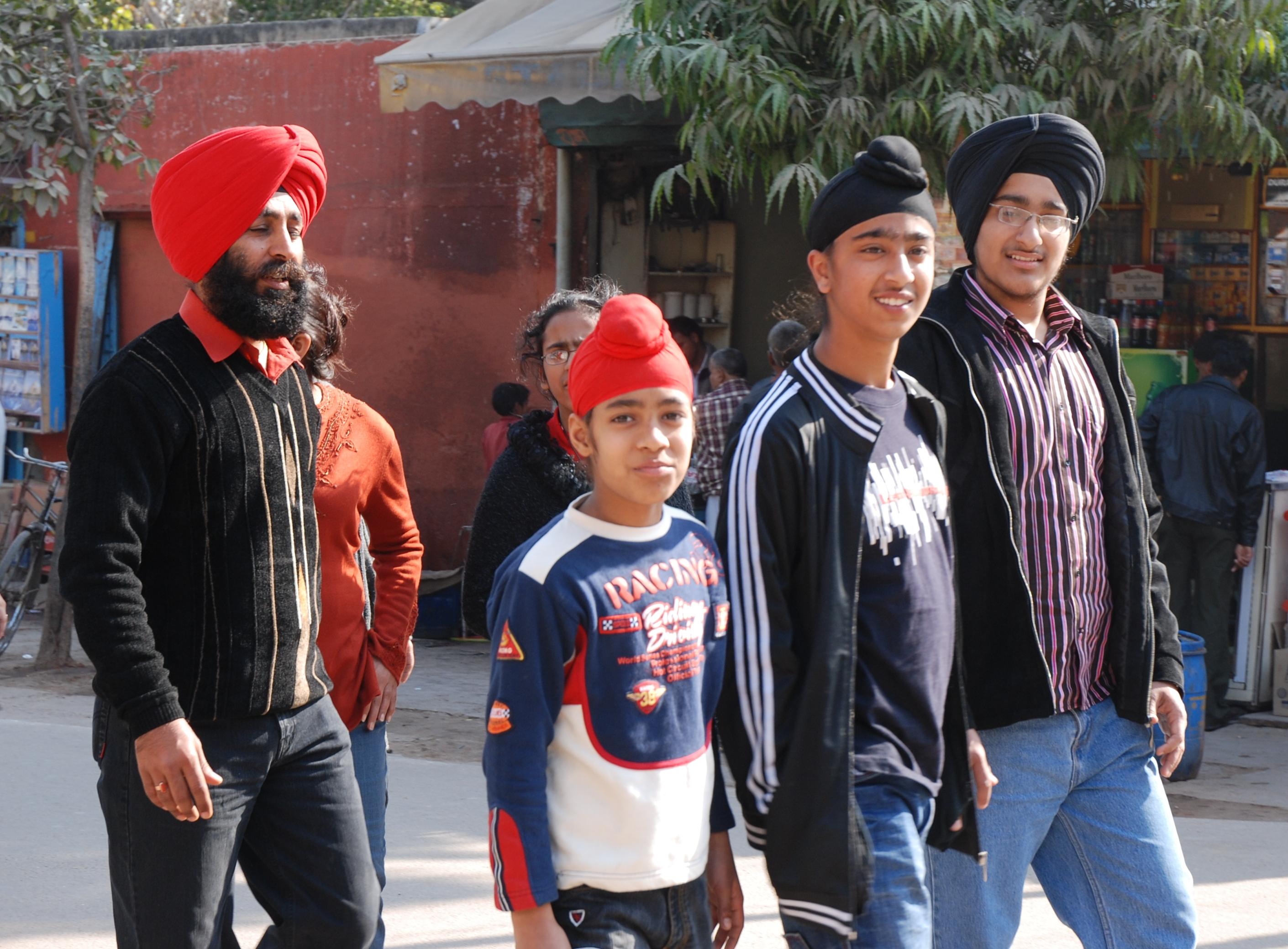 Sikh-Familie im indischen Agra.