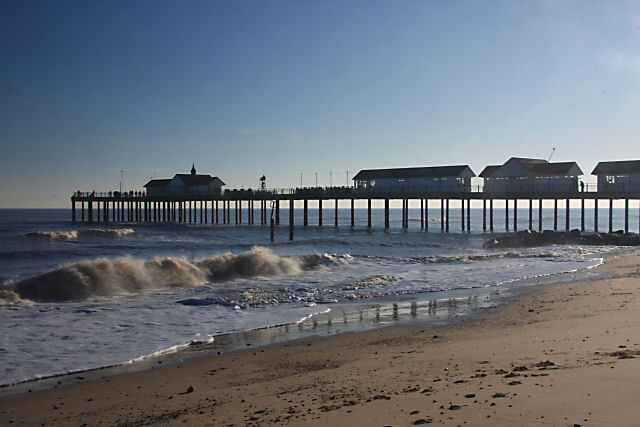 Southwold Pier - geograph.org.uk - 1073261