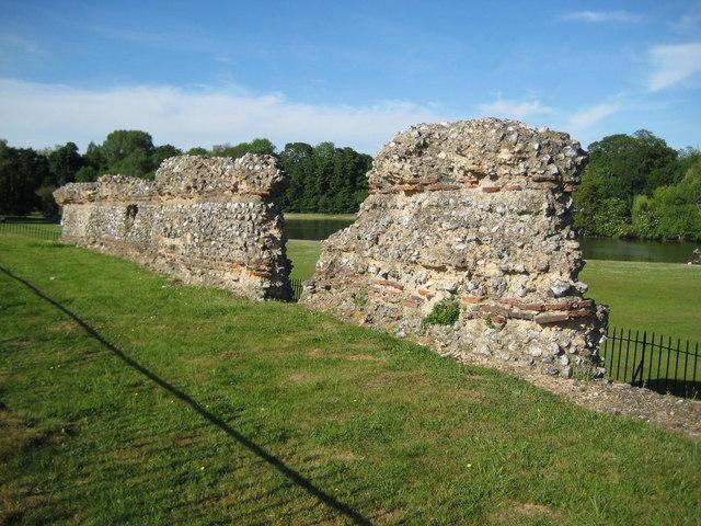 St Albans, Verulamium Roman City Wall - geograph.org.uk - 1346797