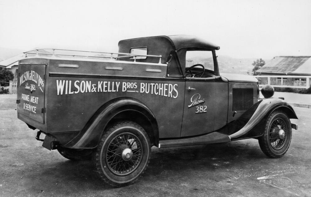 File:StateLibQld 1 106248 Butchers\' Bedford delivery van, Brisbane ...