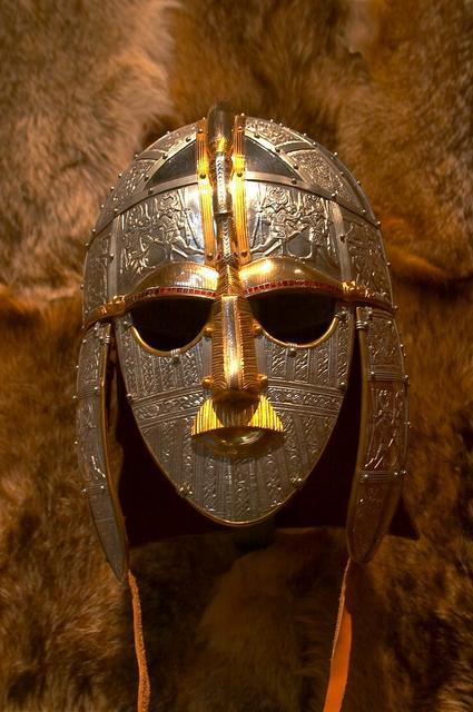 https://upload.wikimedia.org/wikipedia/commons/d/d0/Sutton_Hoo_Warriors_Helmet_Recreation.jpg