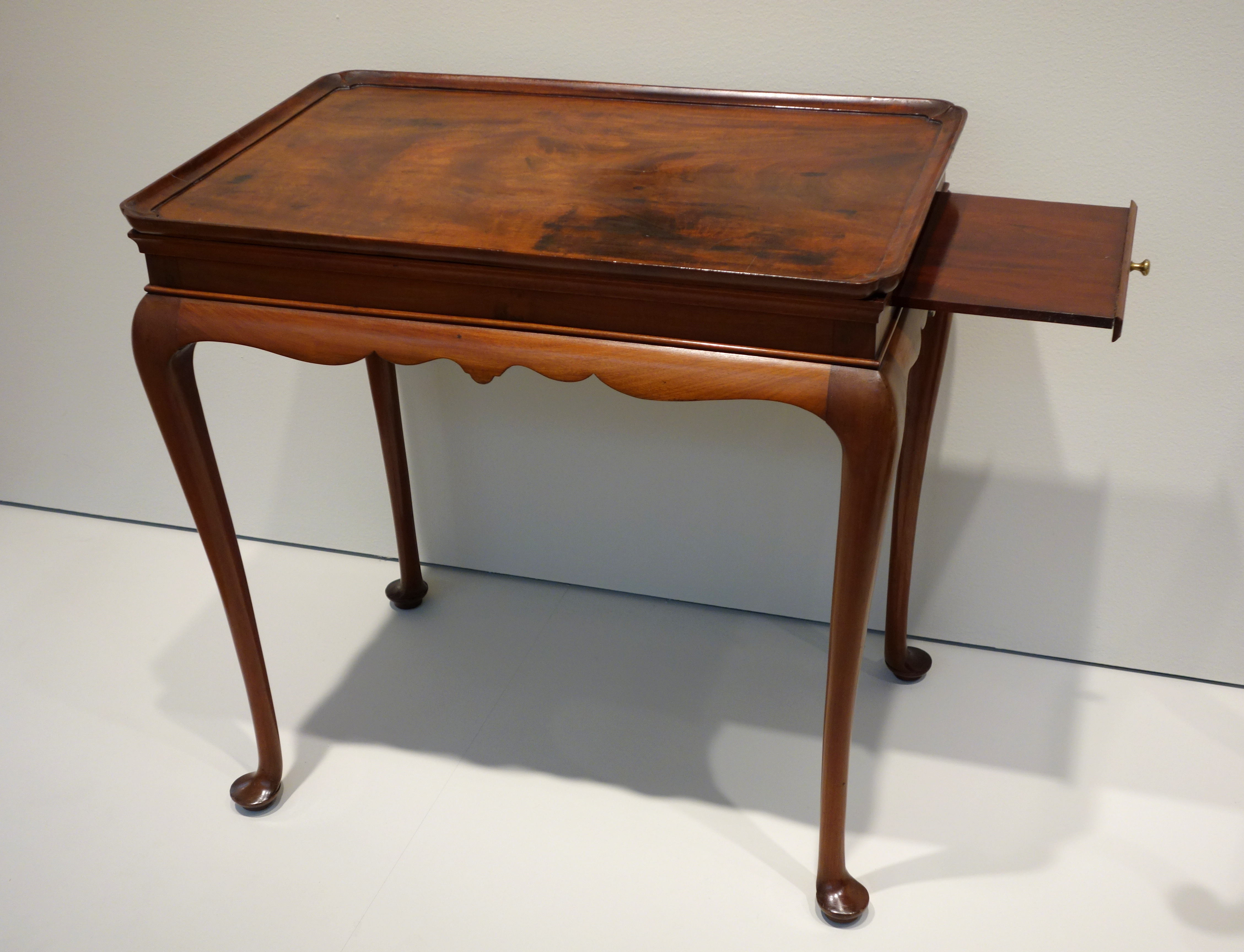 File:Tea Table, Boston, 1735 1755, Mahogany With White Pine