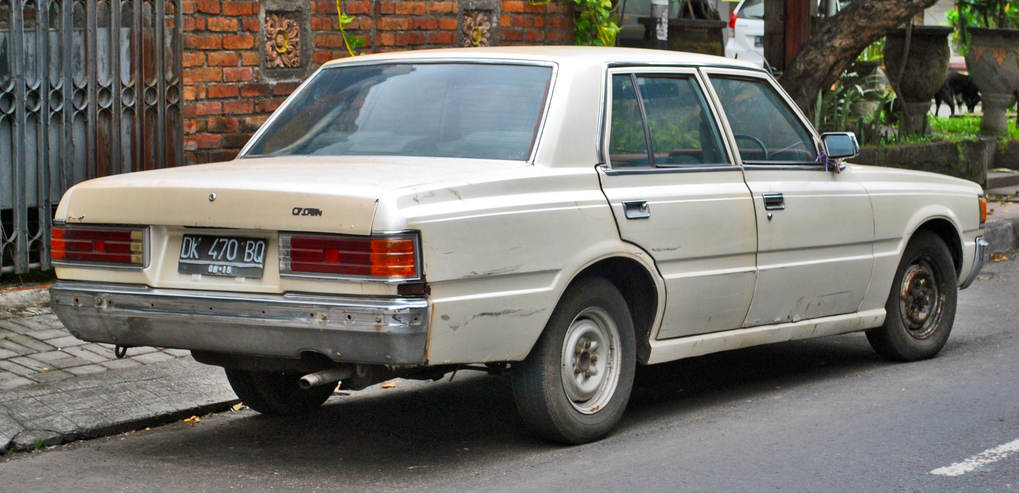 File:Toyota Crown (S110) (rear), Denpasar.jpg - Wikimedia ...