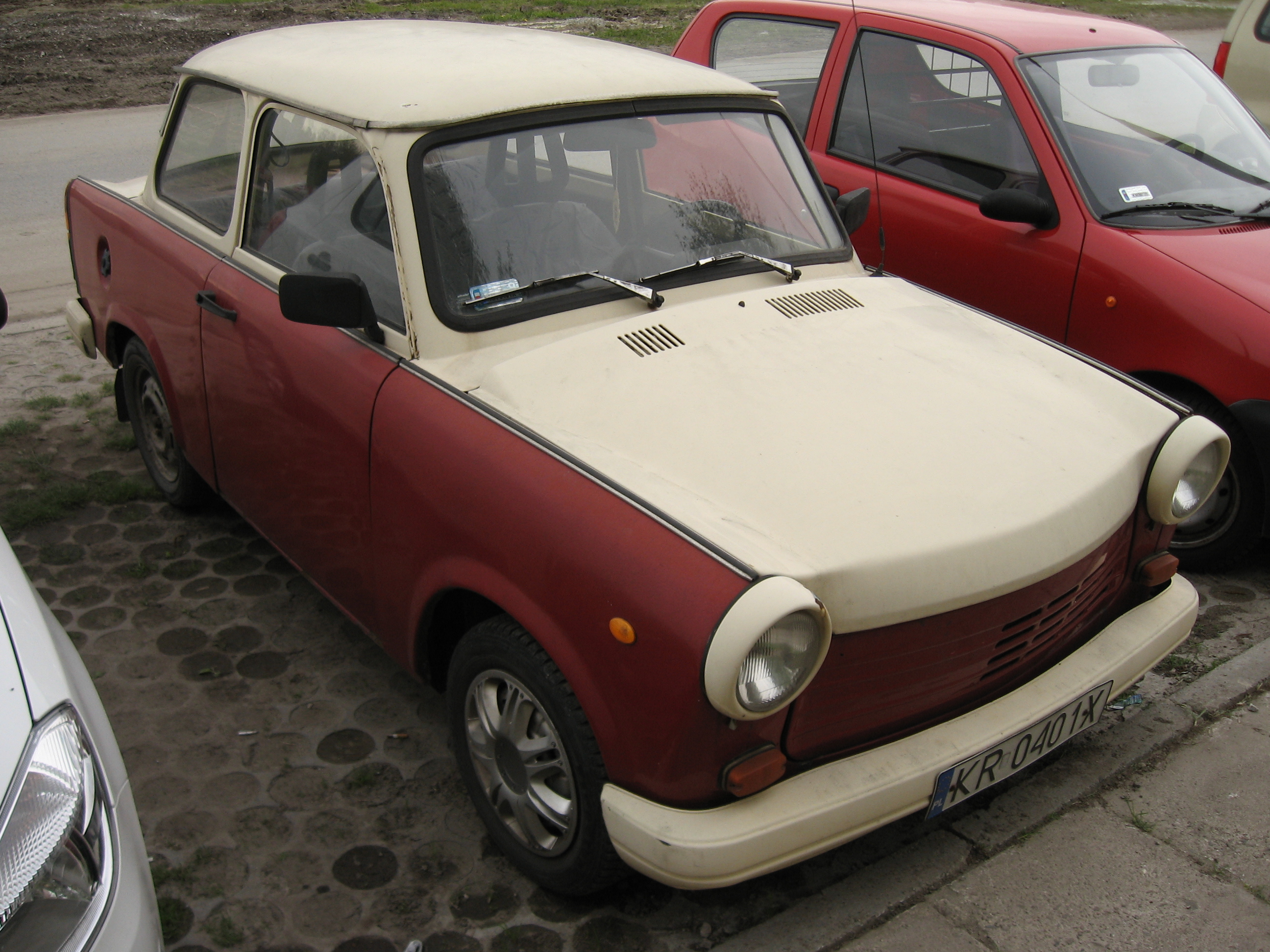 Custom Paint Shops Near Me >> File Trabant 1 1 With A Custom Paintjob On A Parking Lot In