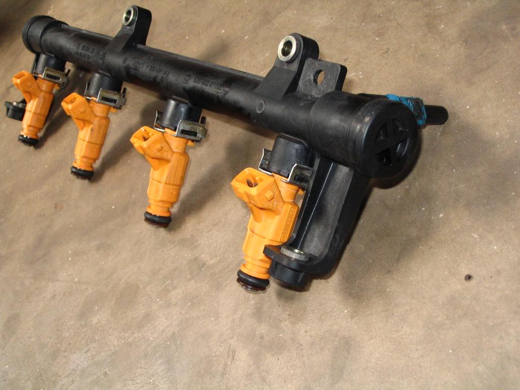 Realiza mantenimiento al sistema de inyección electrónica del motor de combustión interna