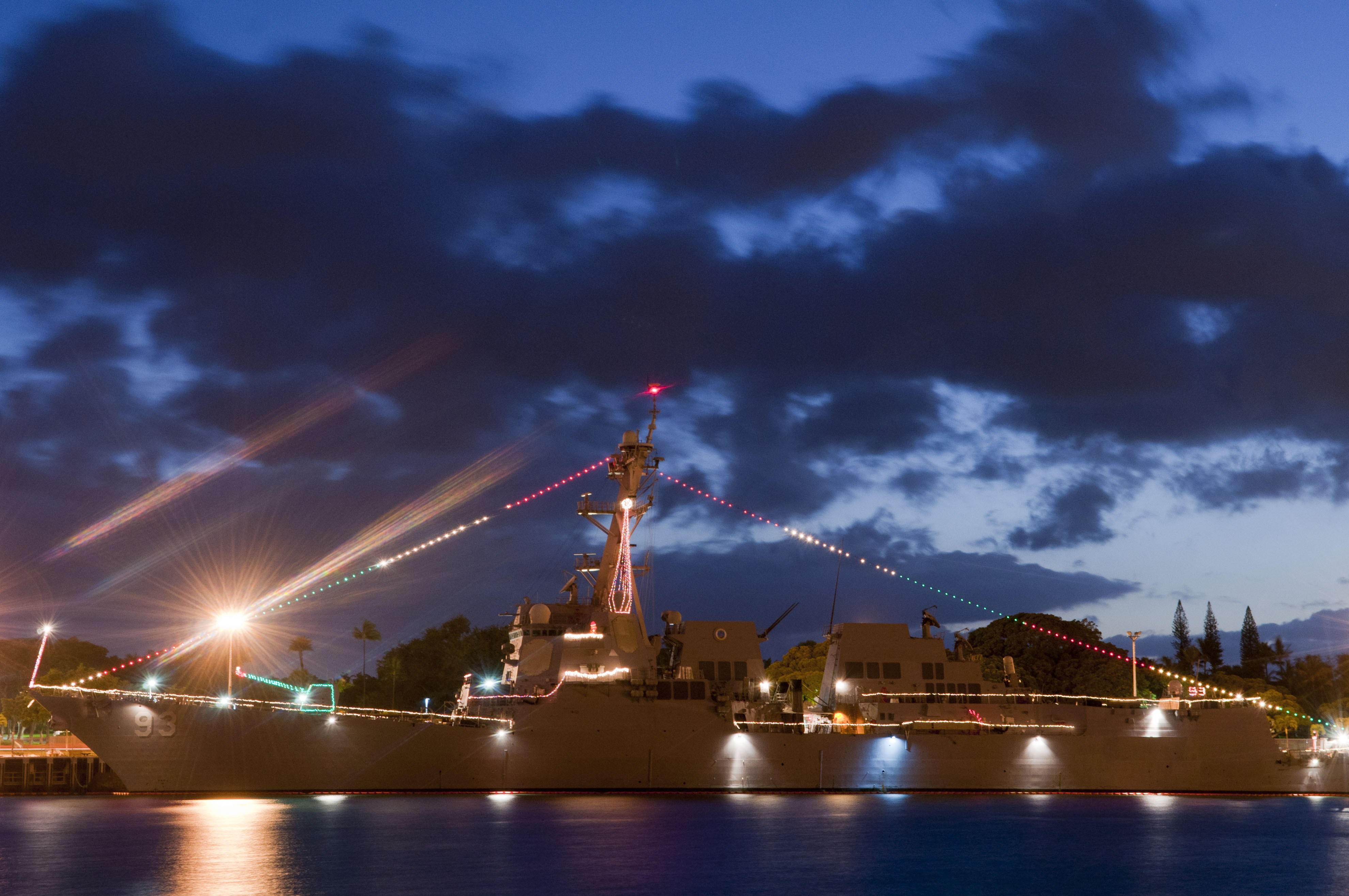 fileus navy 111221 n wp746 020 the guided missile destroyer - Pearl Christmas Lights