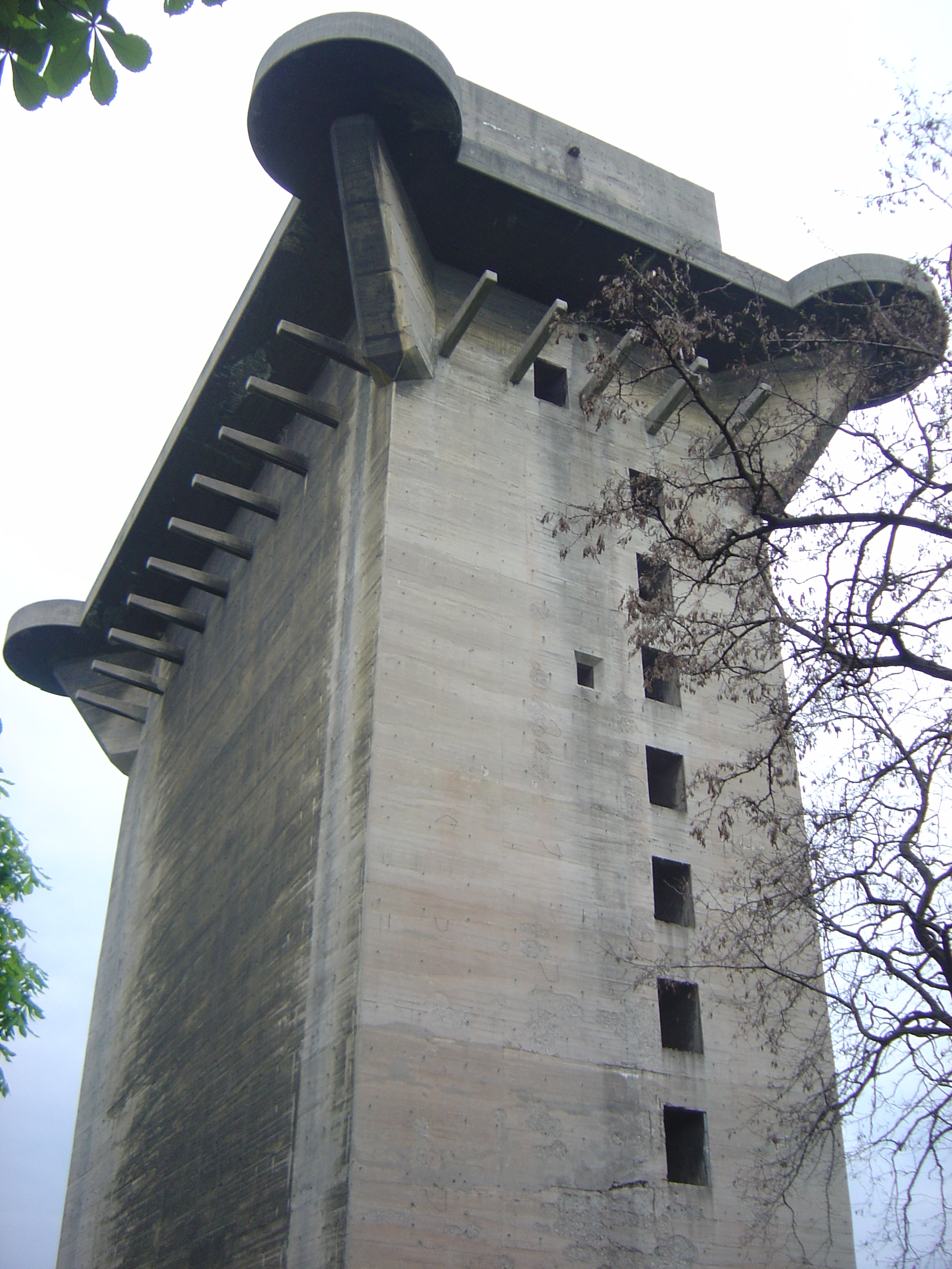 The vienna flak tower 1 944 x 2 592 Design attack berlin