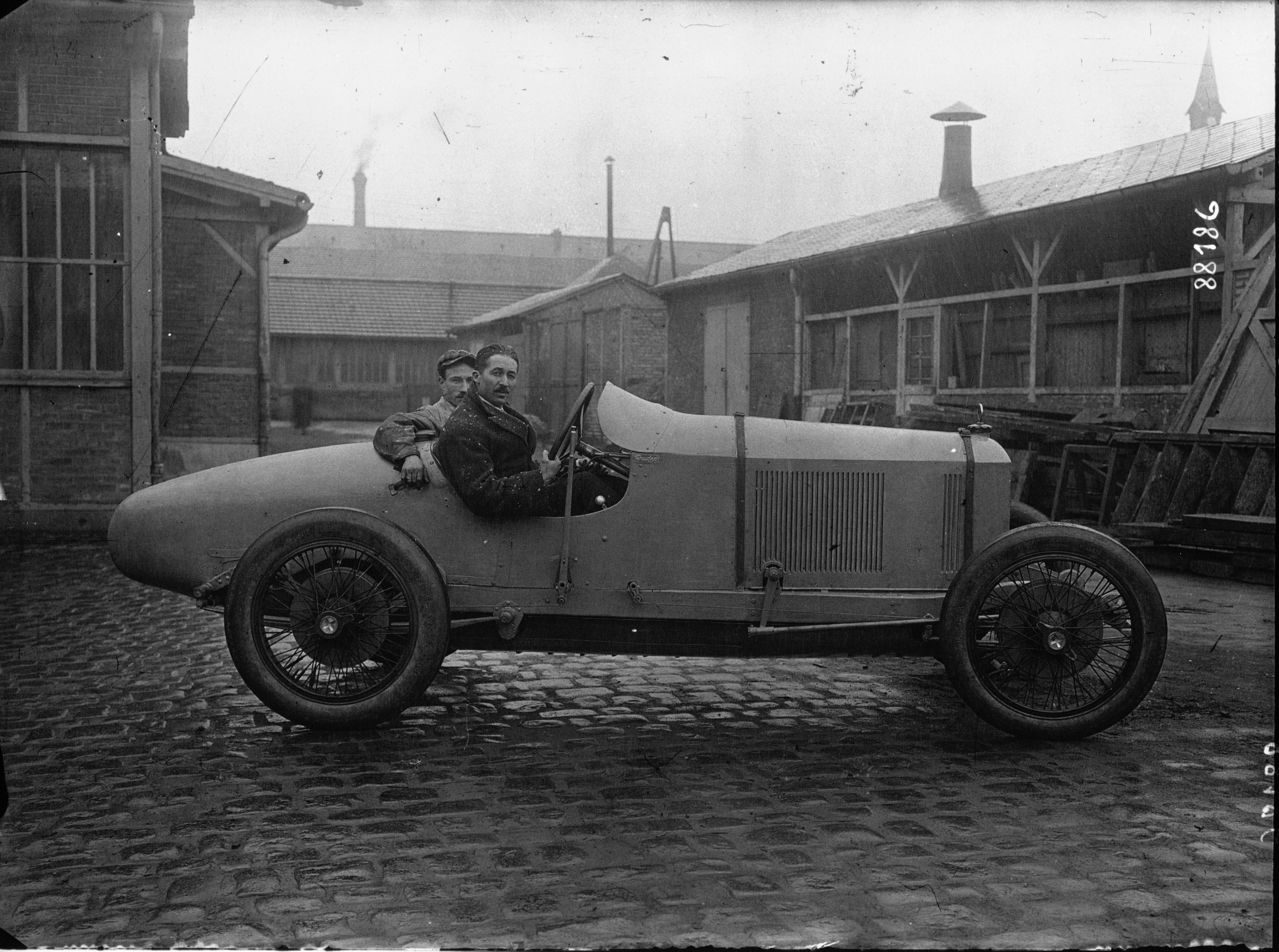 File Voiture Automobile Peugeot De Course Qui Doit Courir A