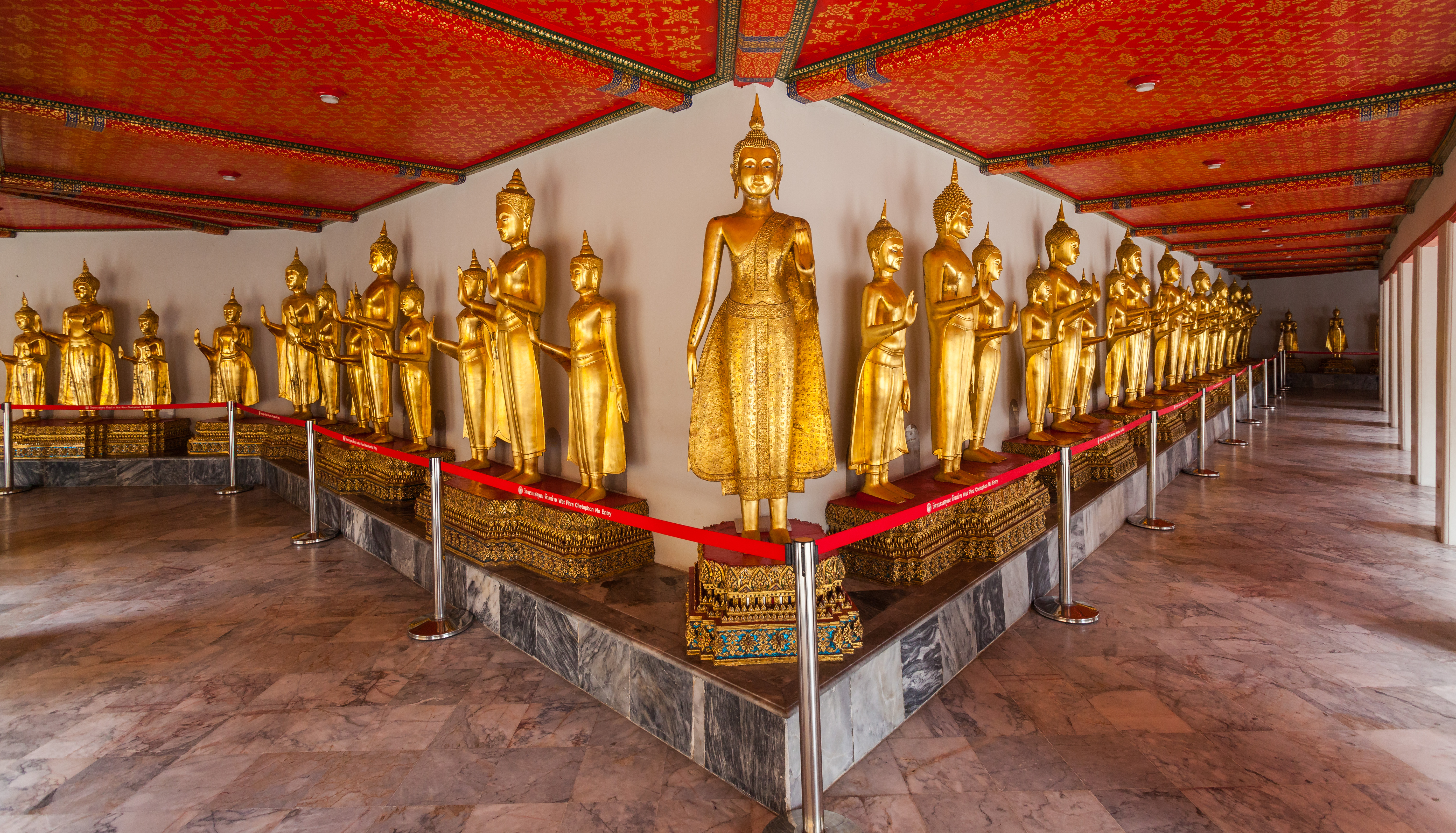 File:Wat Pho, Bangkok, Tailandia, 2013-08-22, DD 22.jpg