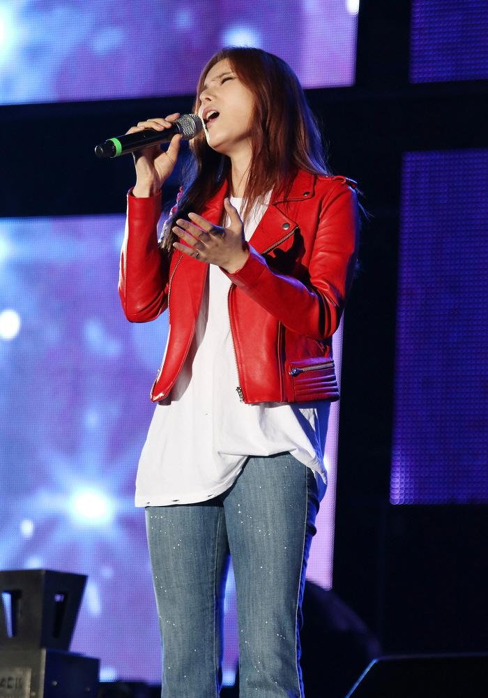 Gummy (singer) - Wikipedia