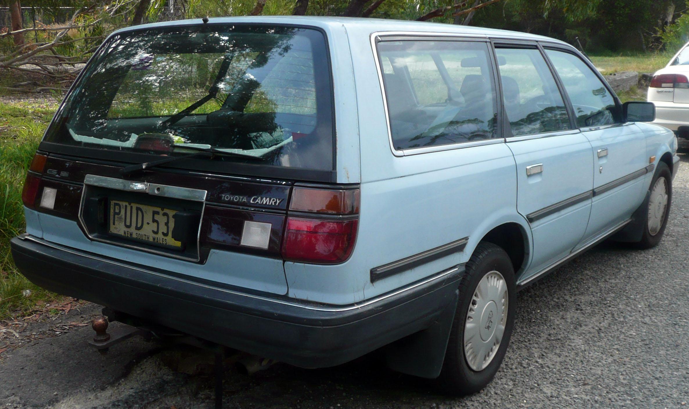 1990 Ford Taurus >> File:1989-1990 Toyota Camry (SV21) CS station wagon 02.jpg ...