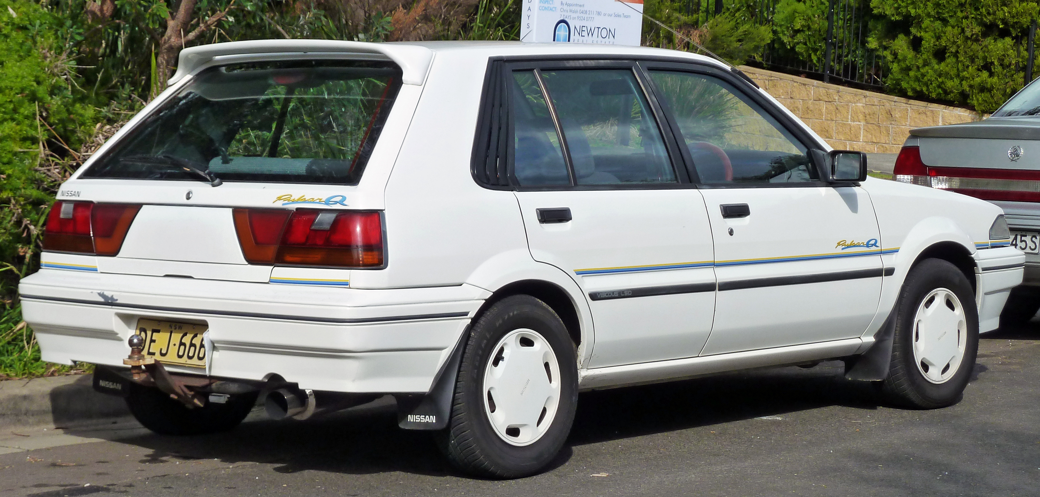 Description Nissan Pulsar Door Hatchback