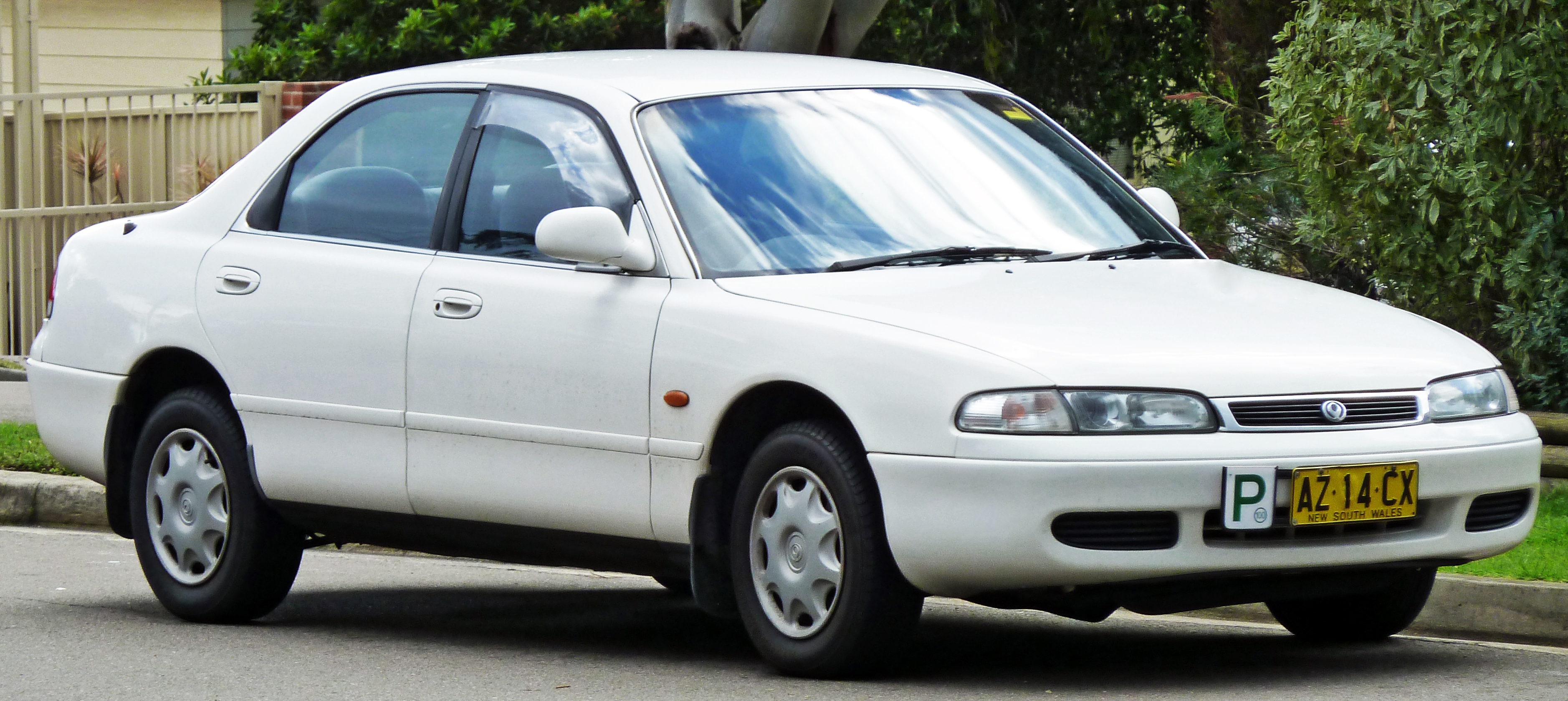 File:1995 Mazda 626 (GE Series 2) Eclipse sedan 01.jpg - Wikimedia