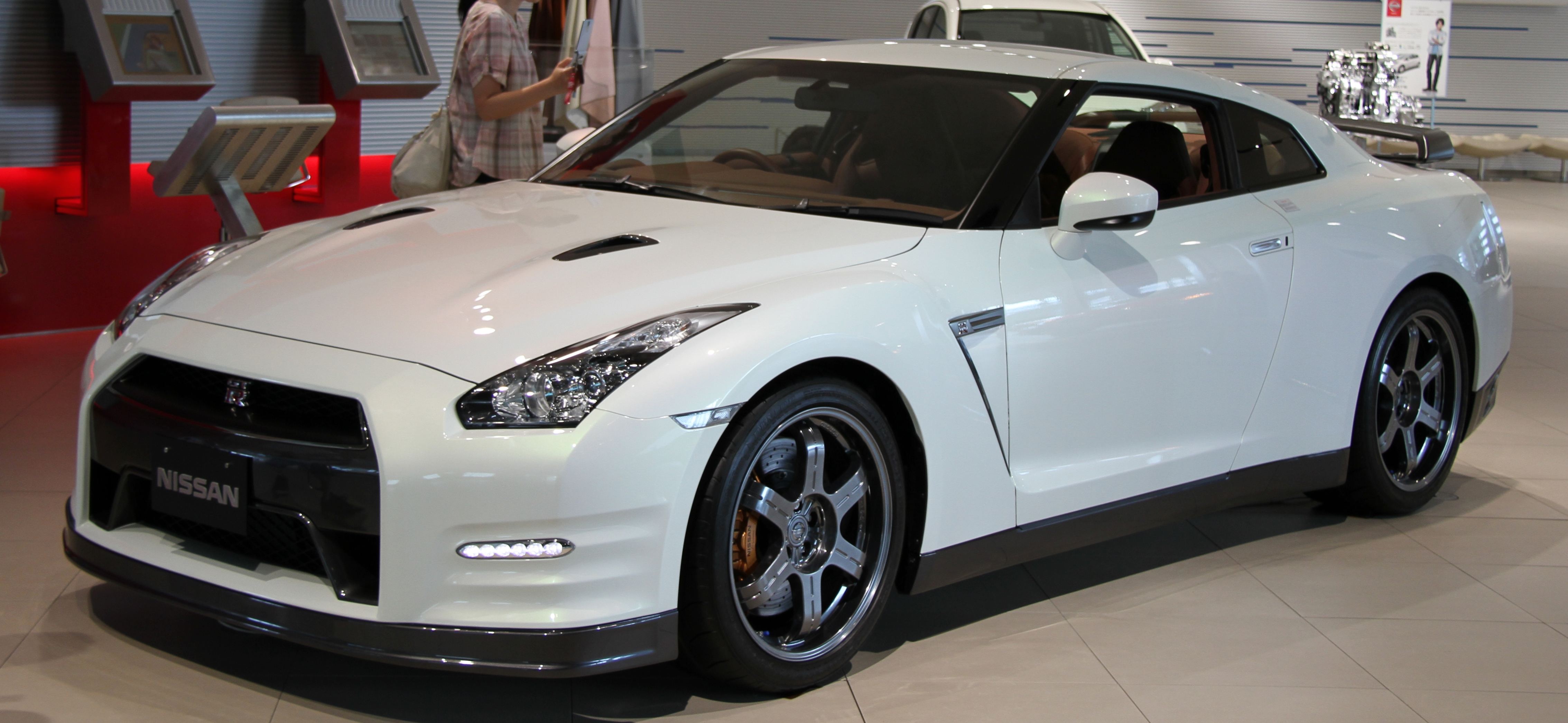 How Much Horsepower Does A Gtr Have >> Nissan Gt R Wikipedia