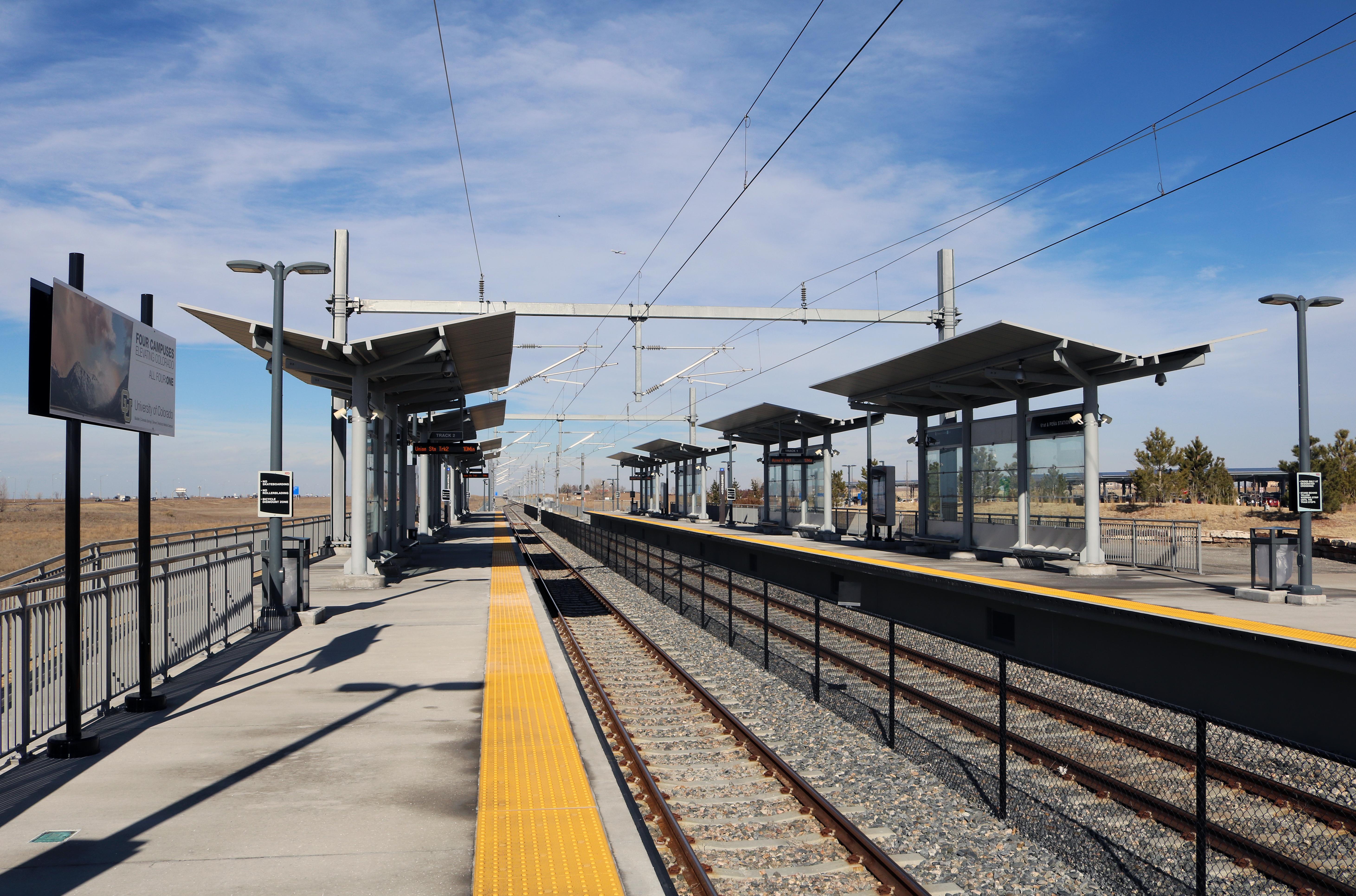 61st & Peña station - Wikipedia