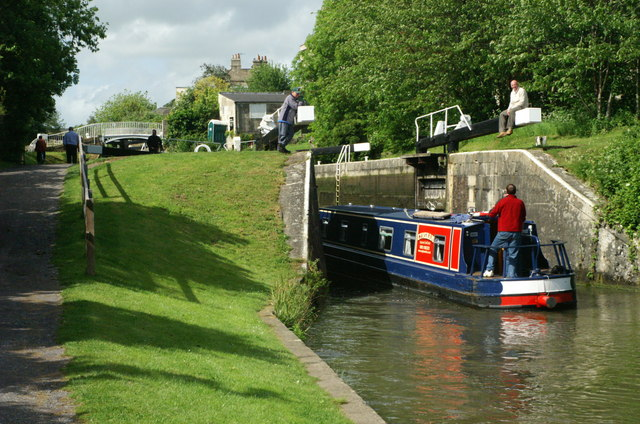 Abbey View Lock, Kennet and Avon Canal - geograph.org.uk - 182453