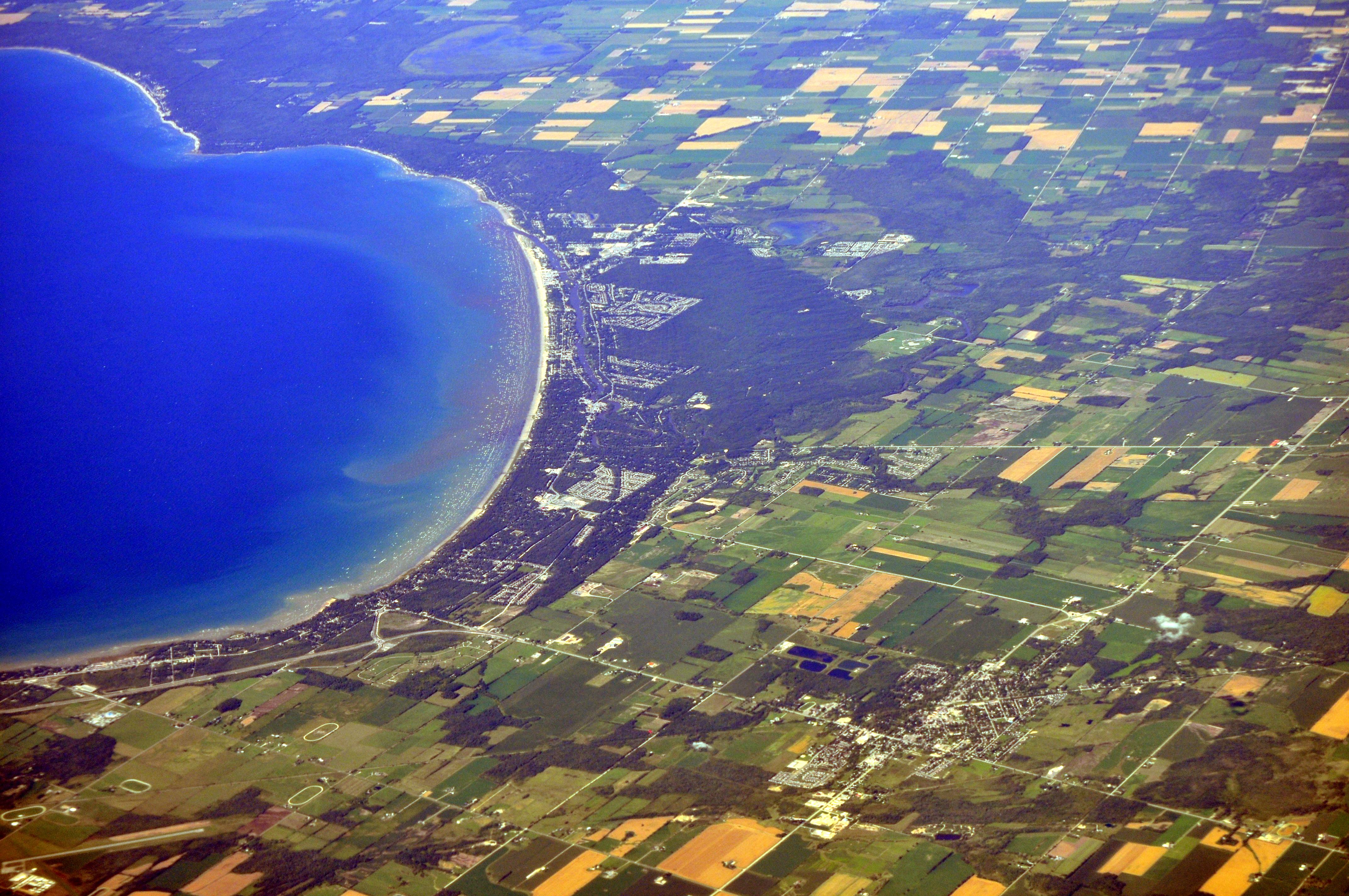 File Aerial Wasaga Beach Ontario From Sw 02 White Balanced 9659283642